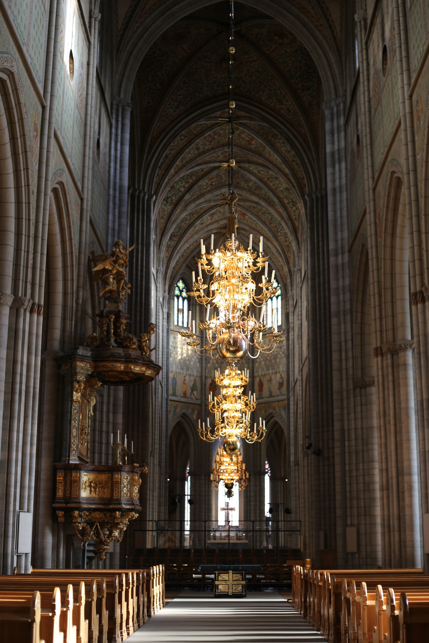 Inside the cathedral of Uppsala by fotofredrica