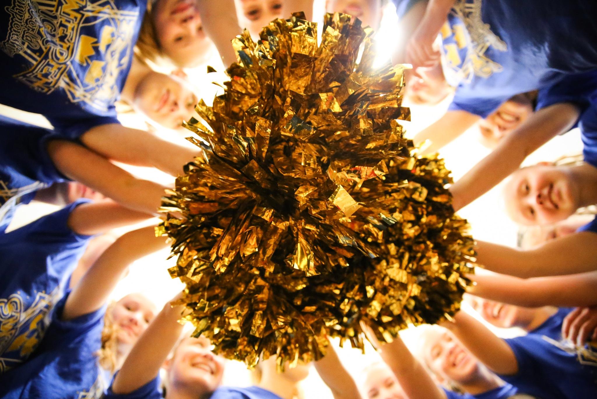 Golden ladies by fotofredrica