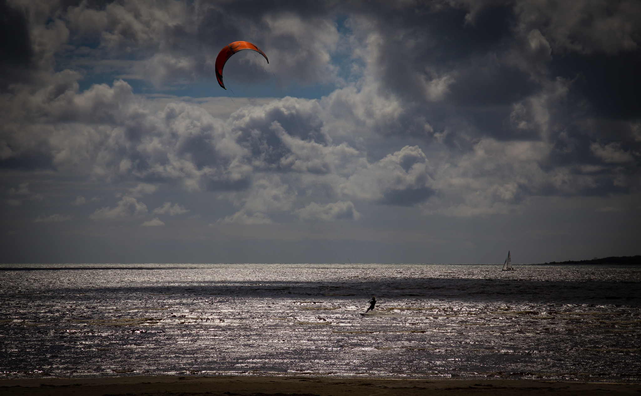 Kite Surfing by André Soerensen