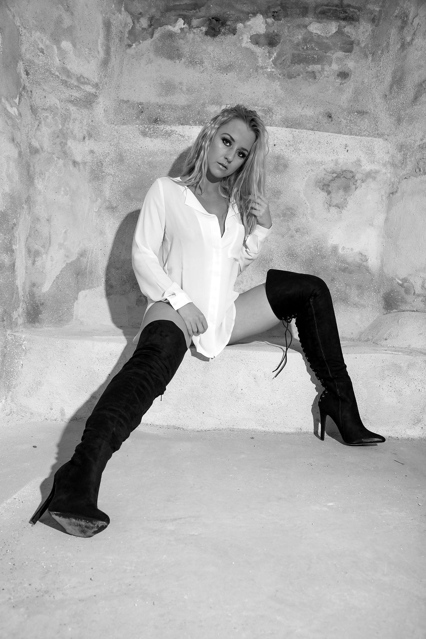 Denise 6 by Peter Bondo Gravesen