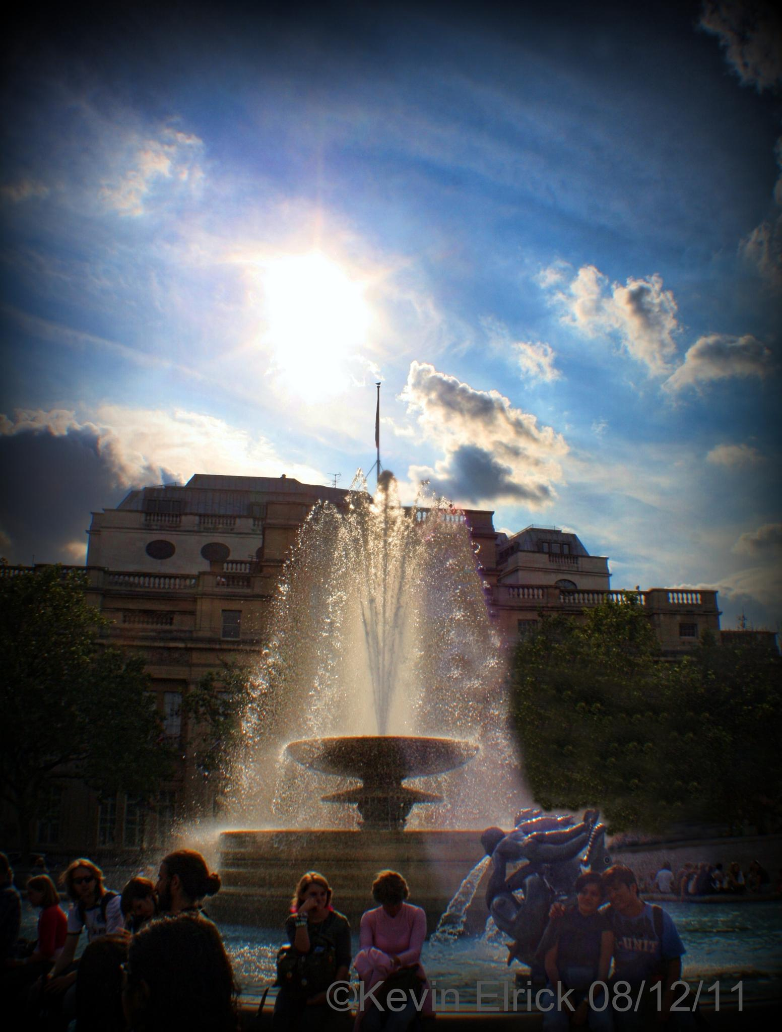 Trafalgar Square London  by keve E