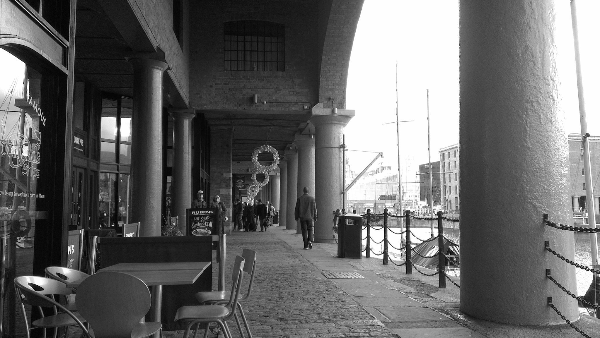 Albert Dock by keve E