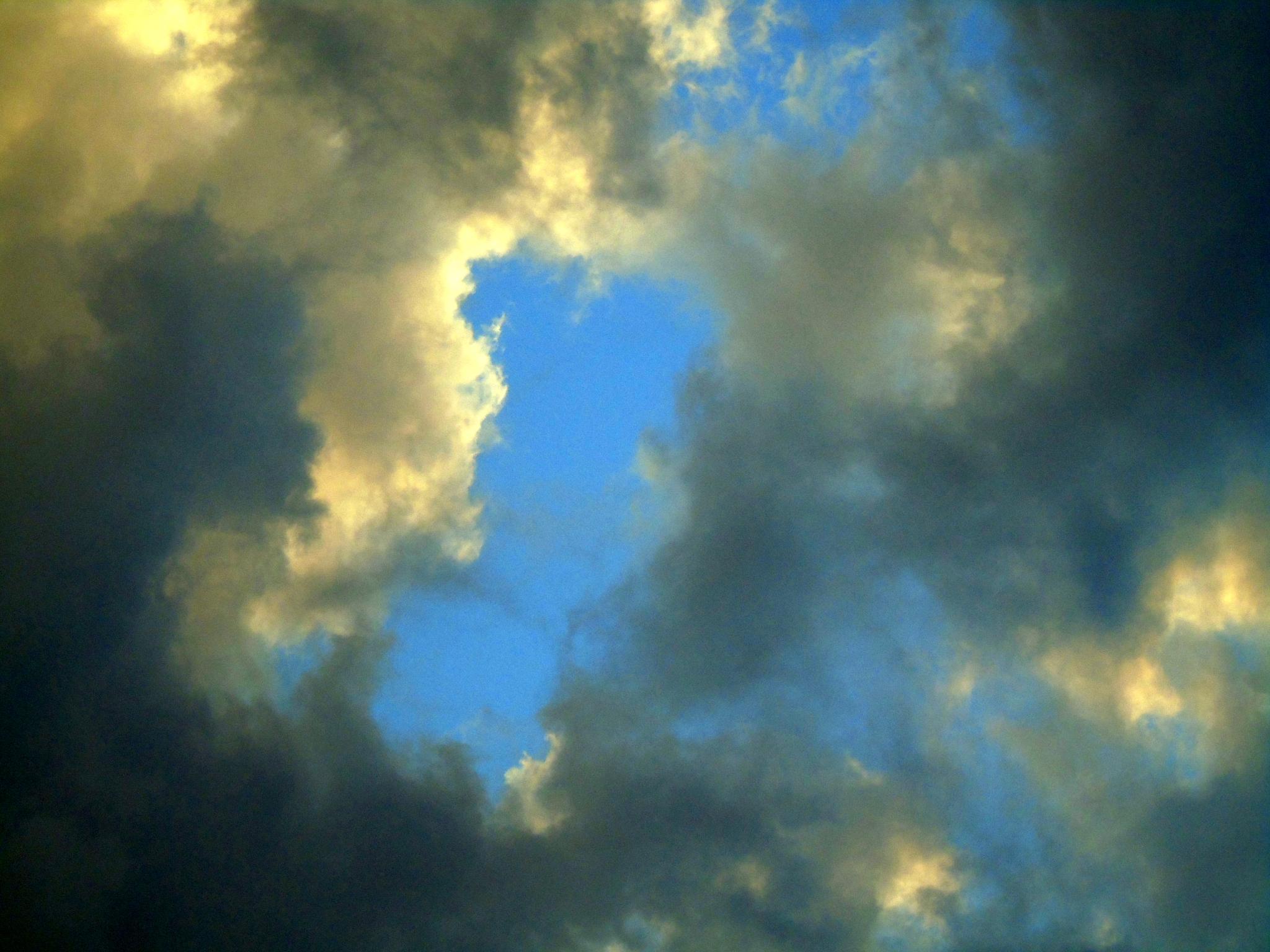 Stormy Skies  by Jan.ohnokt