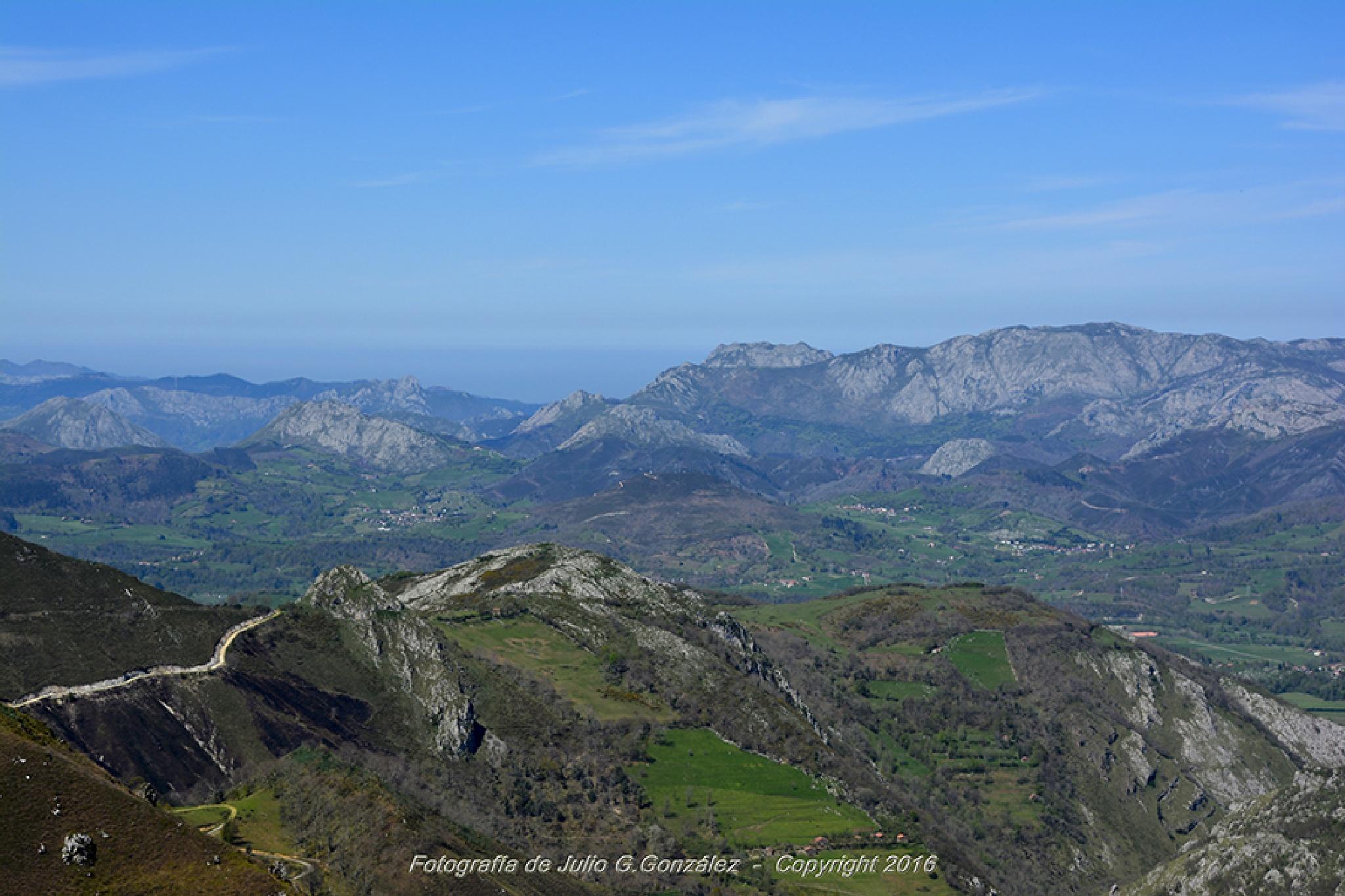Montes de Covadonga by Julio G.González