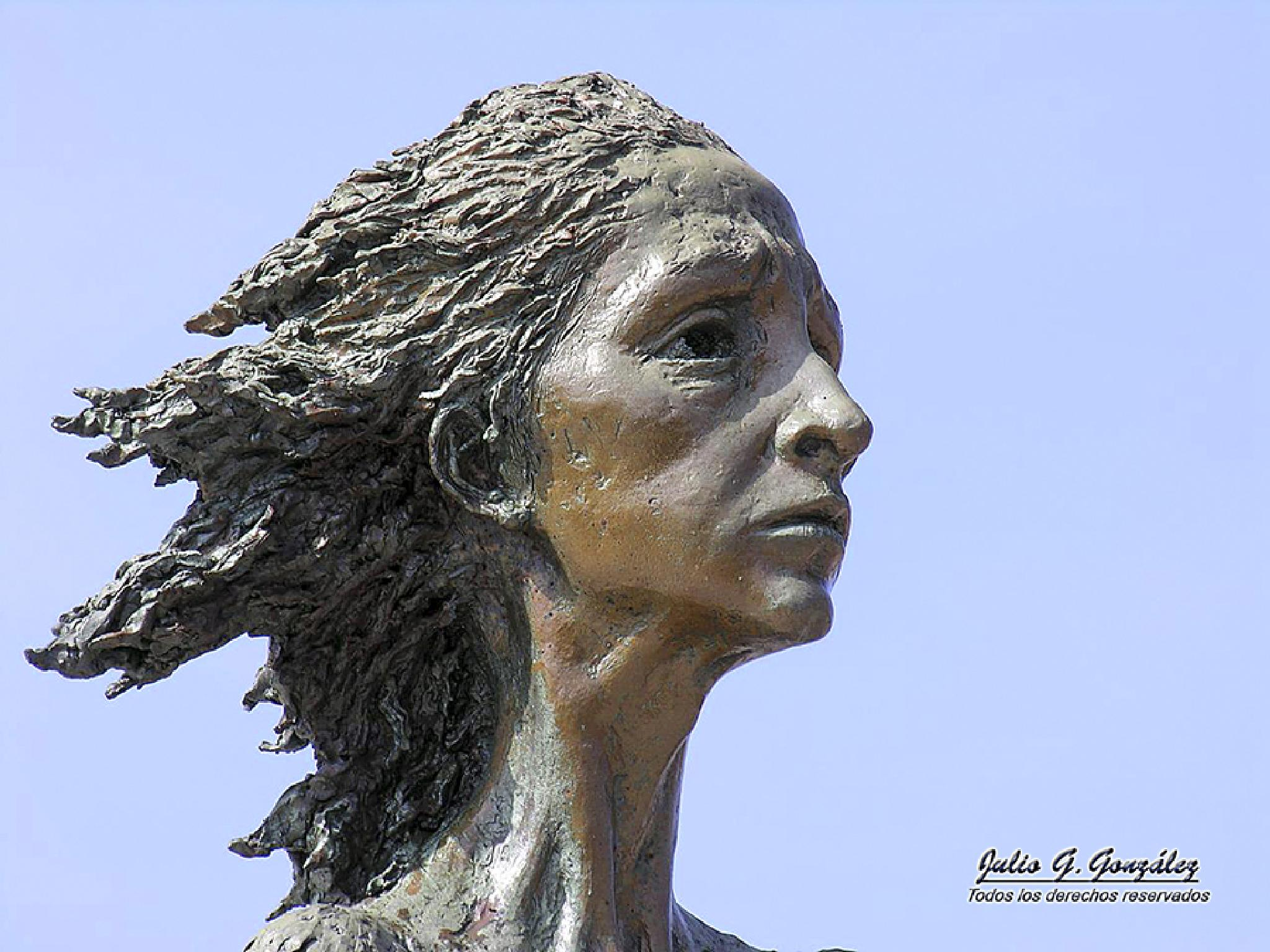 La madre del emigrante by Julio G.González