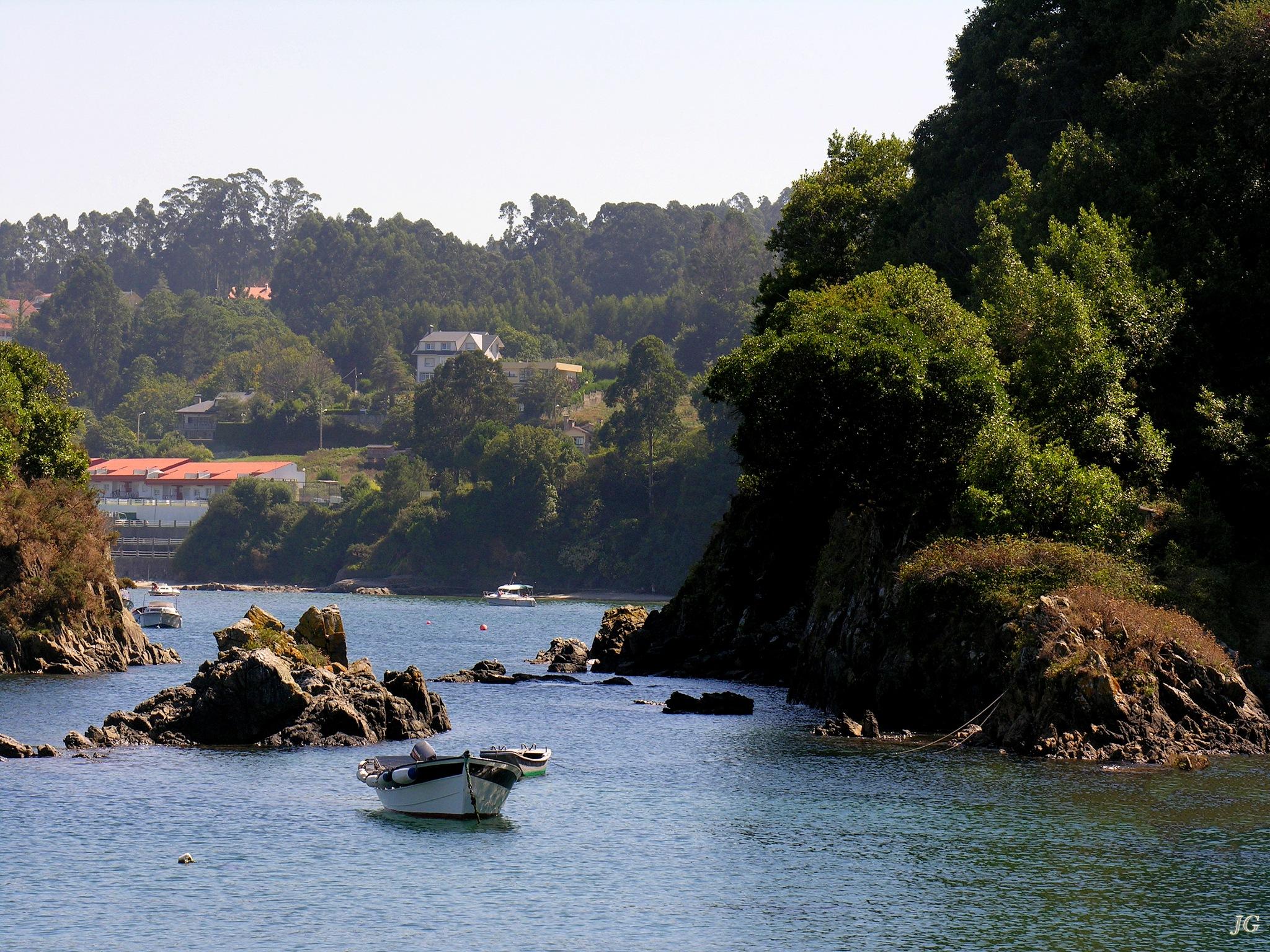 Un lugar de la costa by Julio G.González
