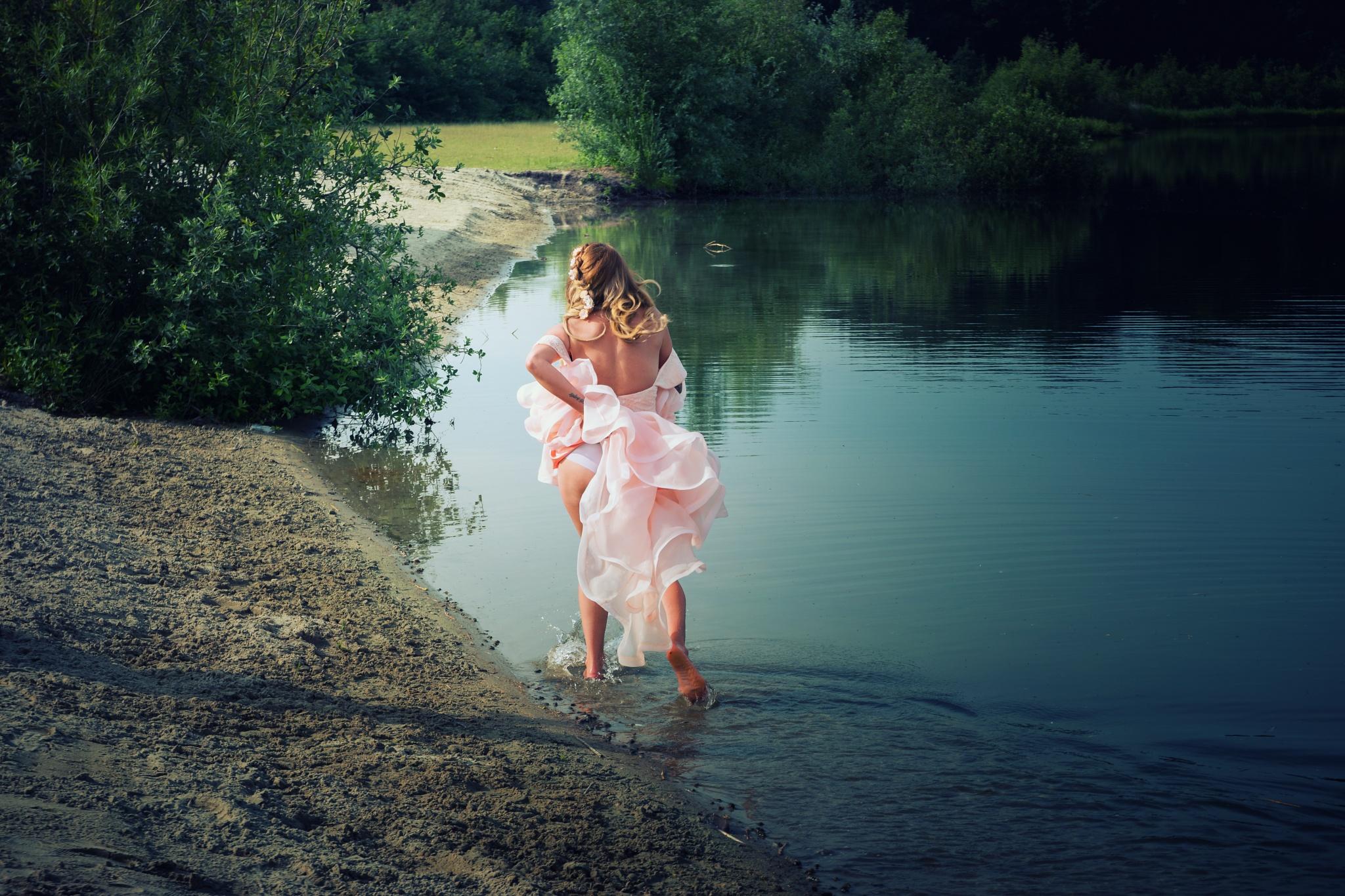 Runaway bride by esmeralda.holman