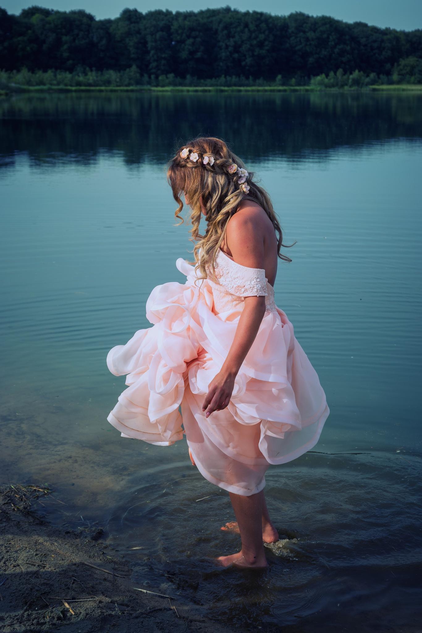 Wet wedding dress by esmeralda.holman