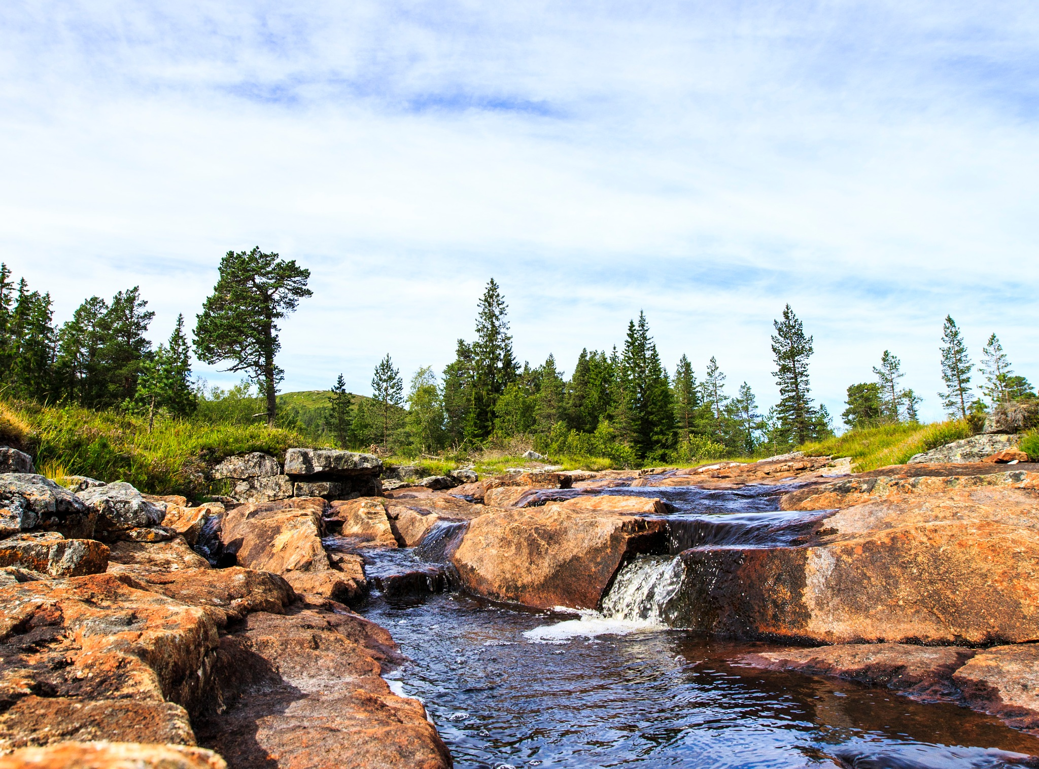 a small waterfall  by ad.kesteloo