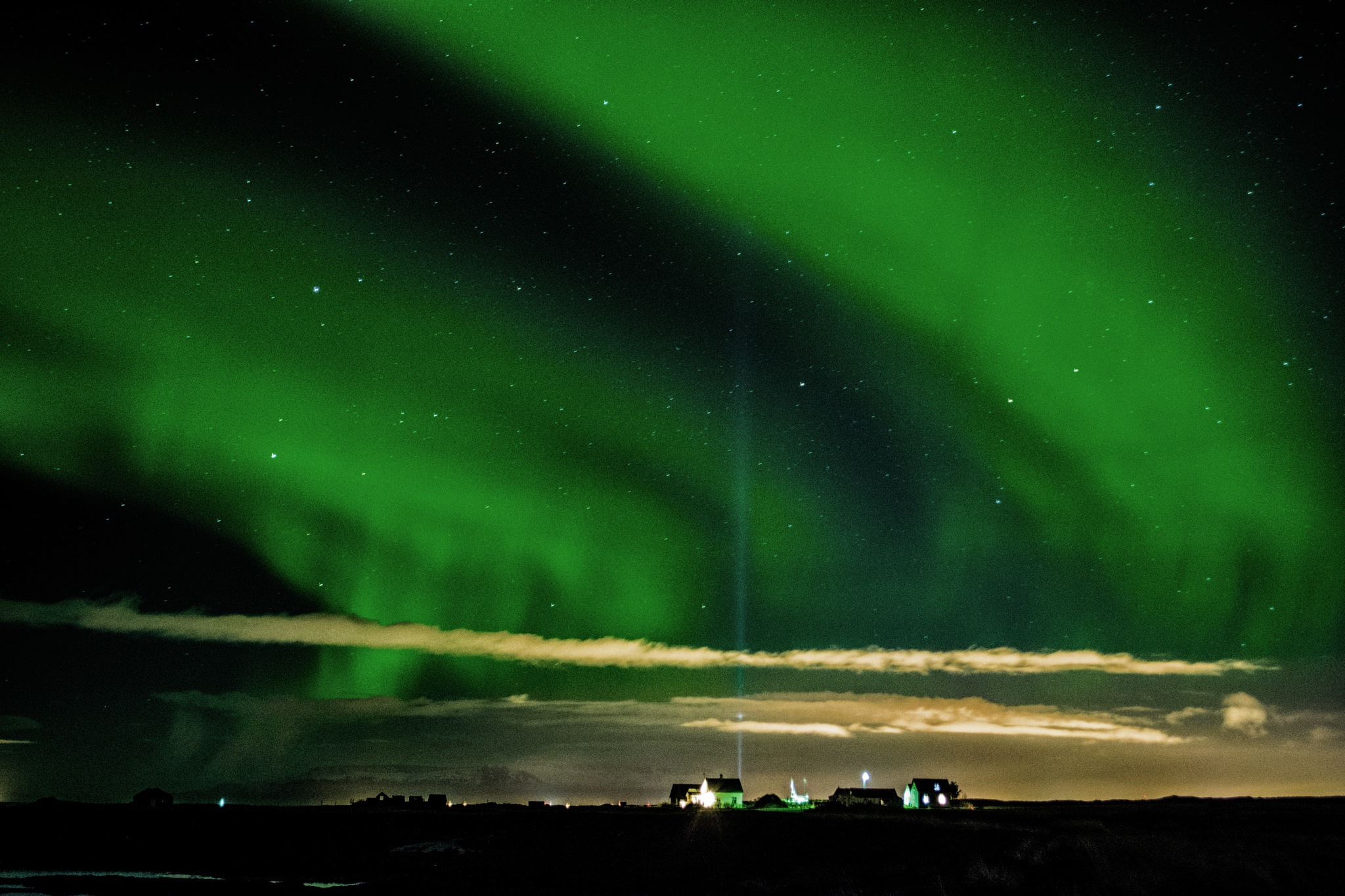 Northern lights in Reykjanes by albert.o.gudbrandsson