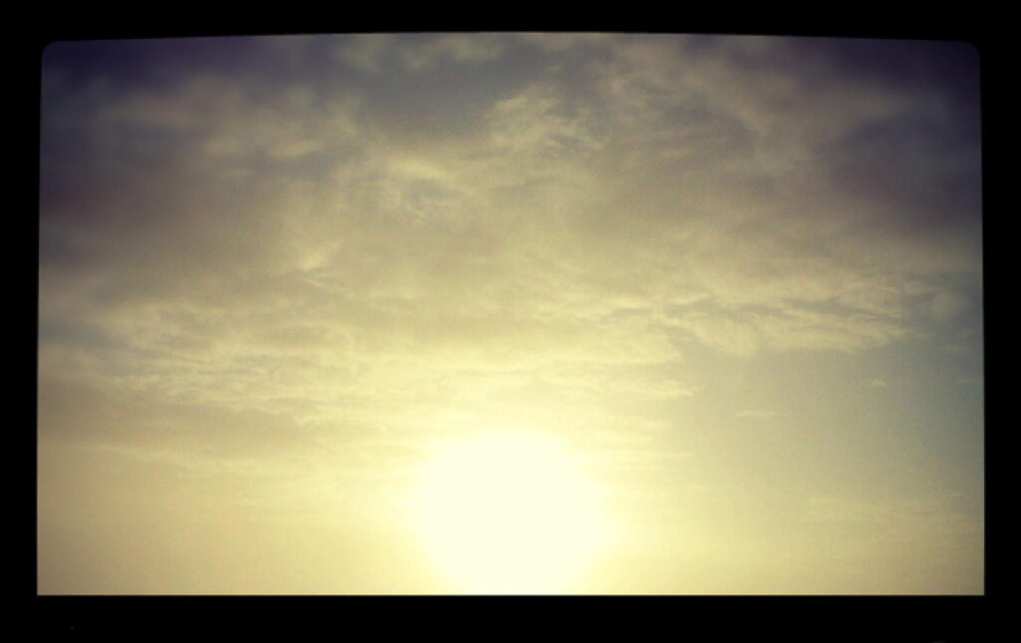 Morning sky by Eijav
