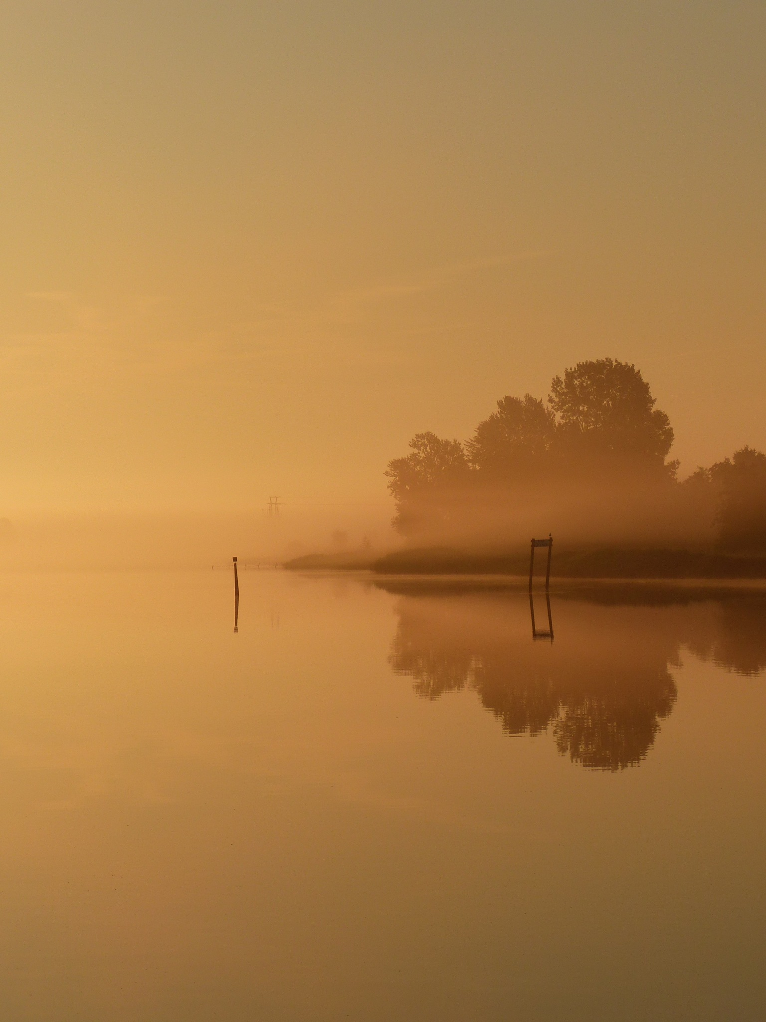 Sunrise on a calm day by Lars M.