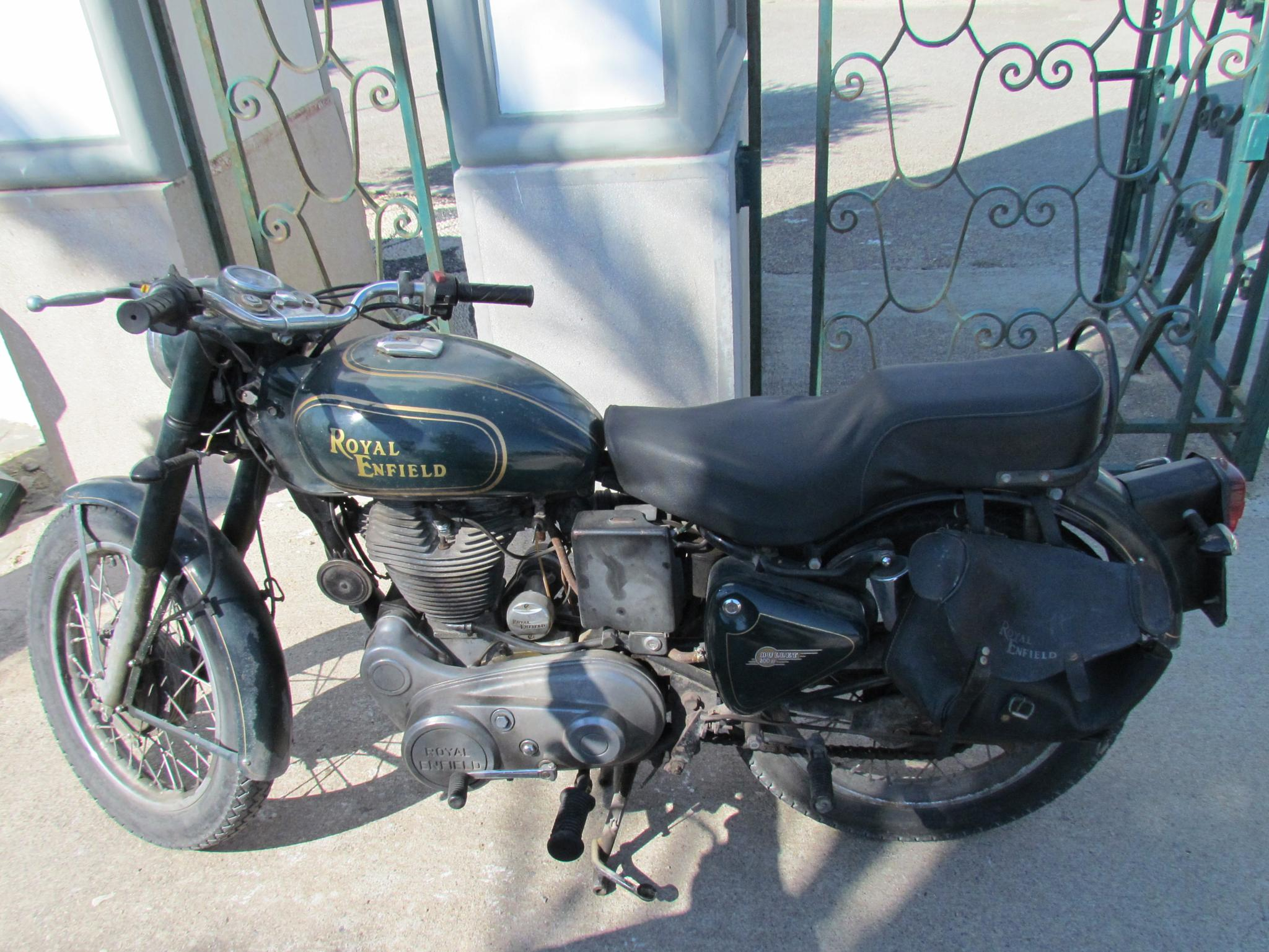 Motor Cycle by Lars M.