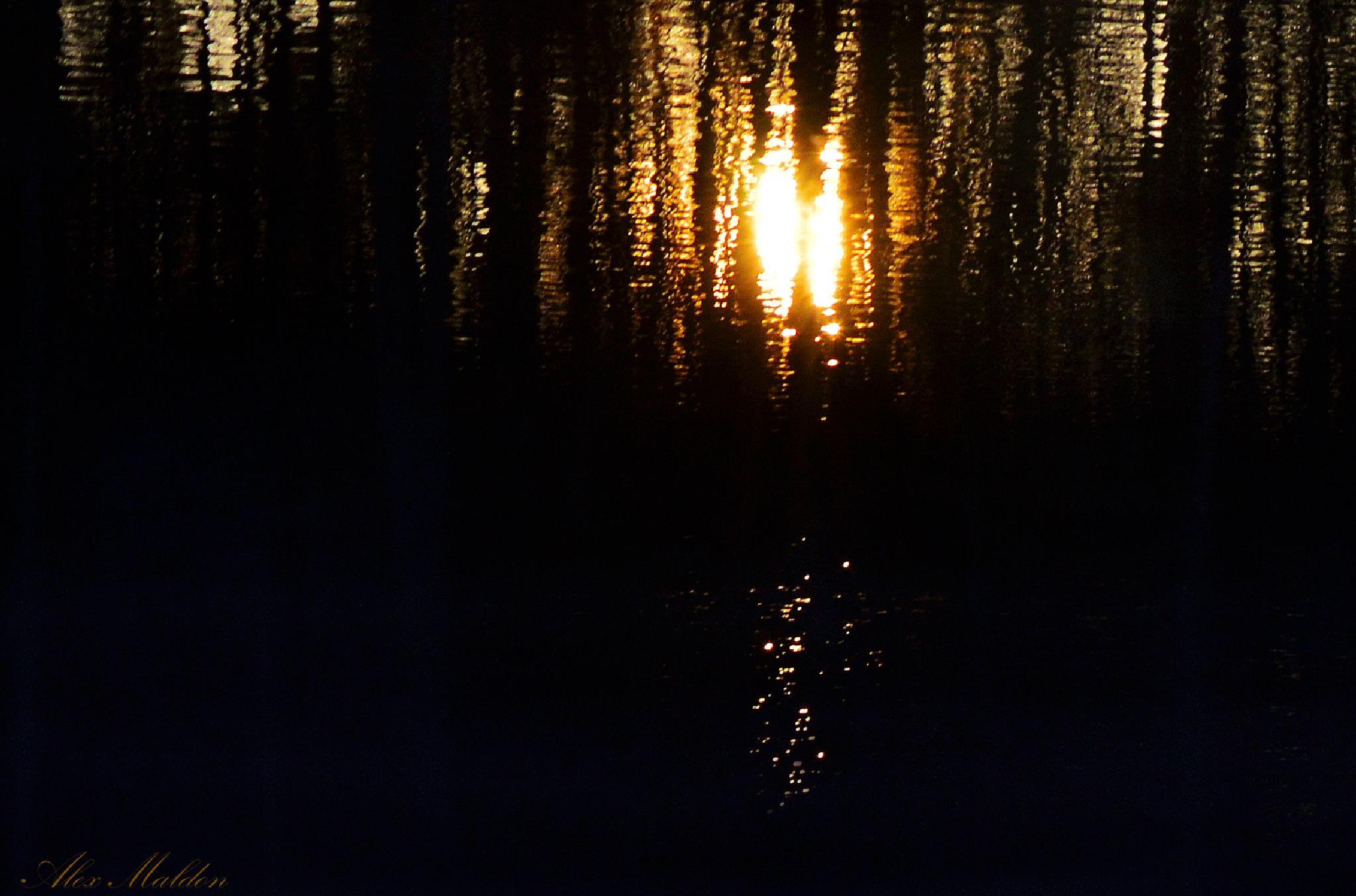 Sunrise Lake by amaldon