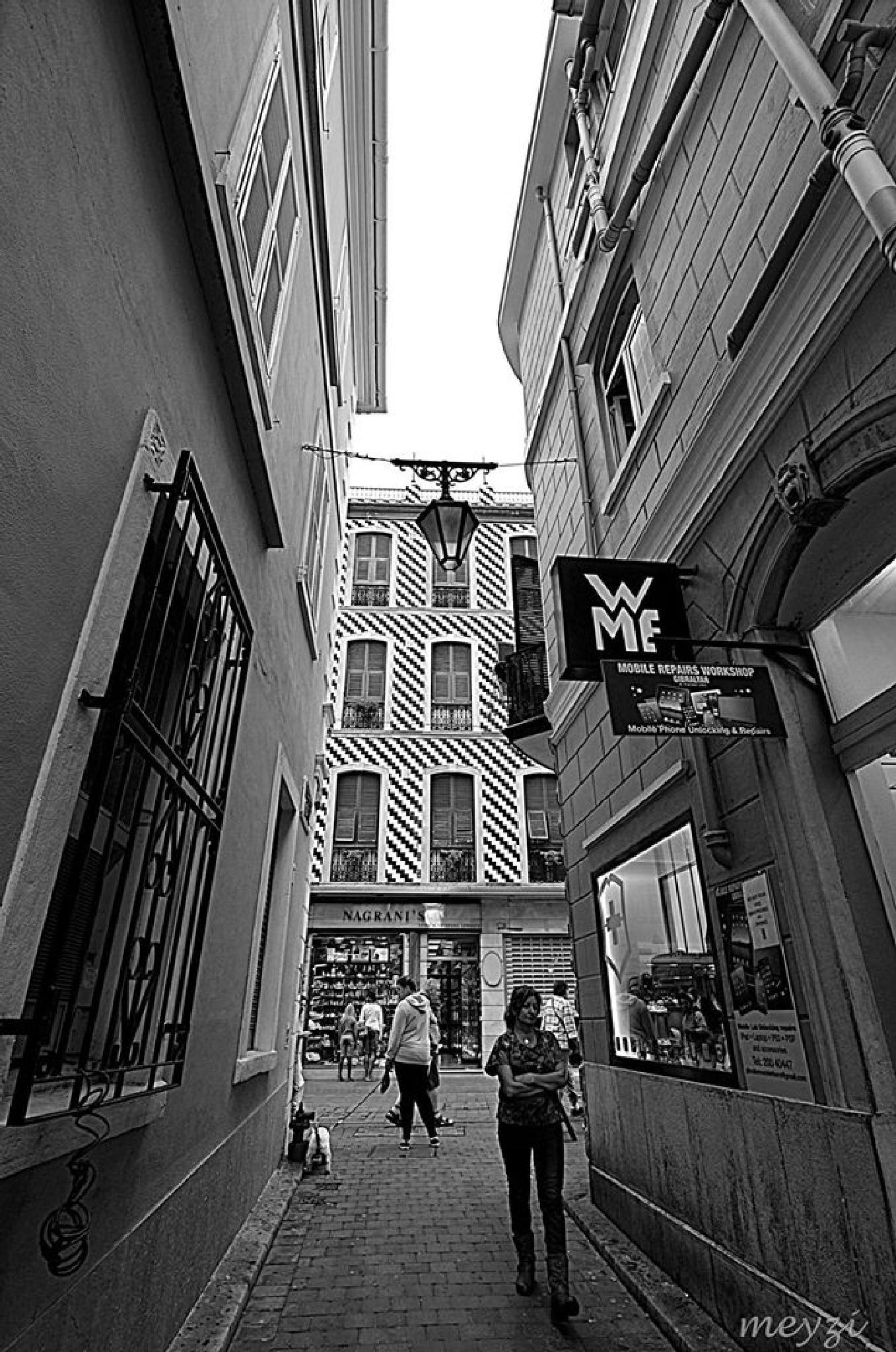 Gibraltar.... by meyzi.mey
