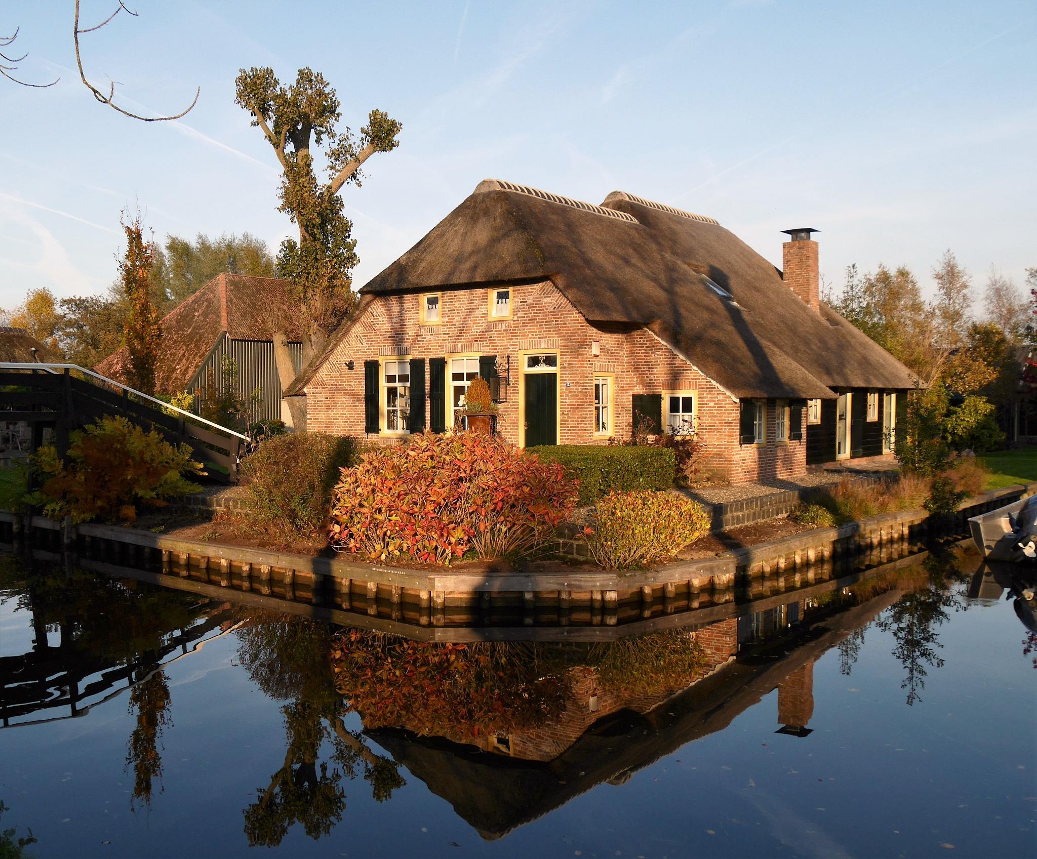 Lovely Home by Jan Otten