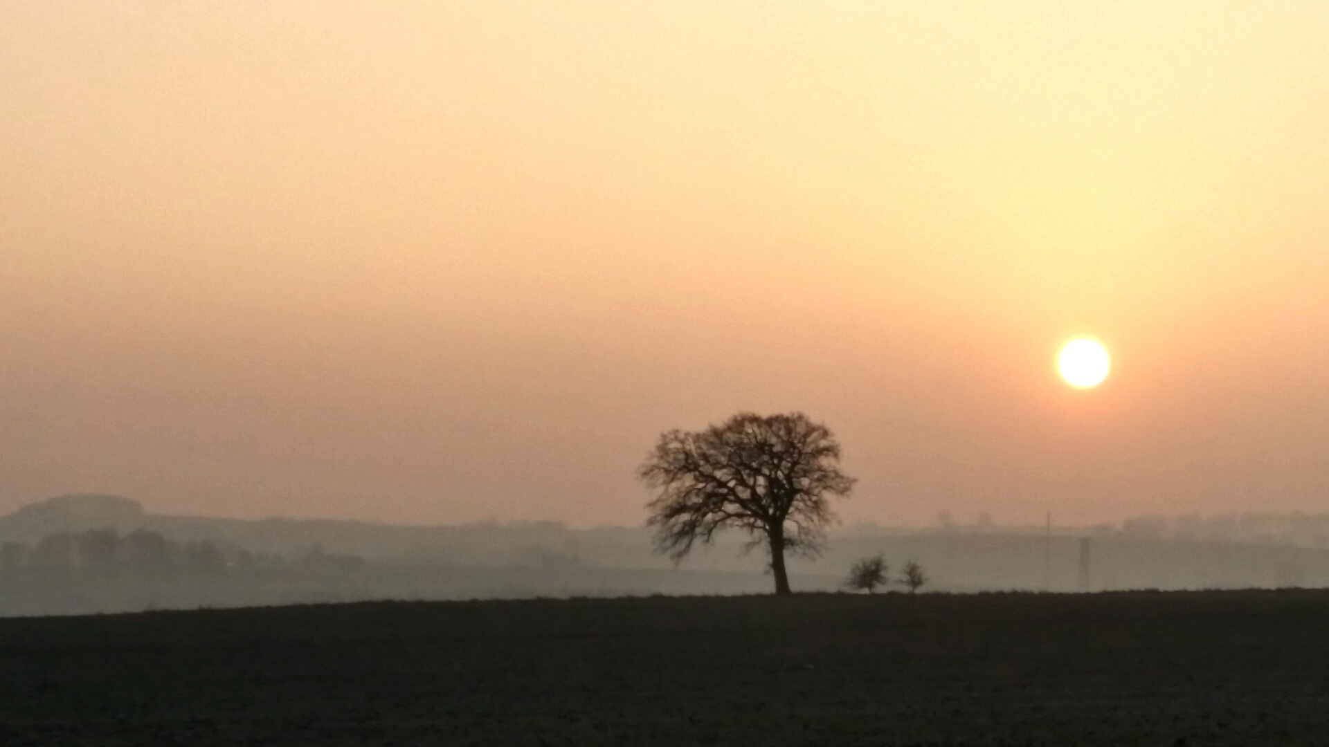 Sun going down over tågarp.  by tommy.sorensen.12