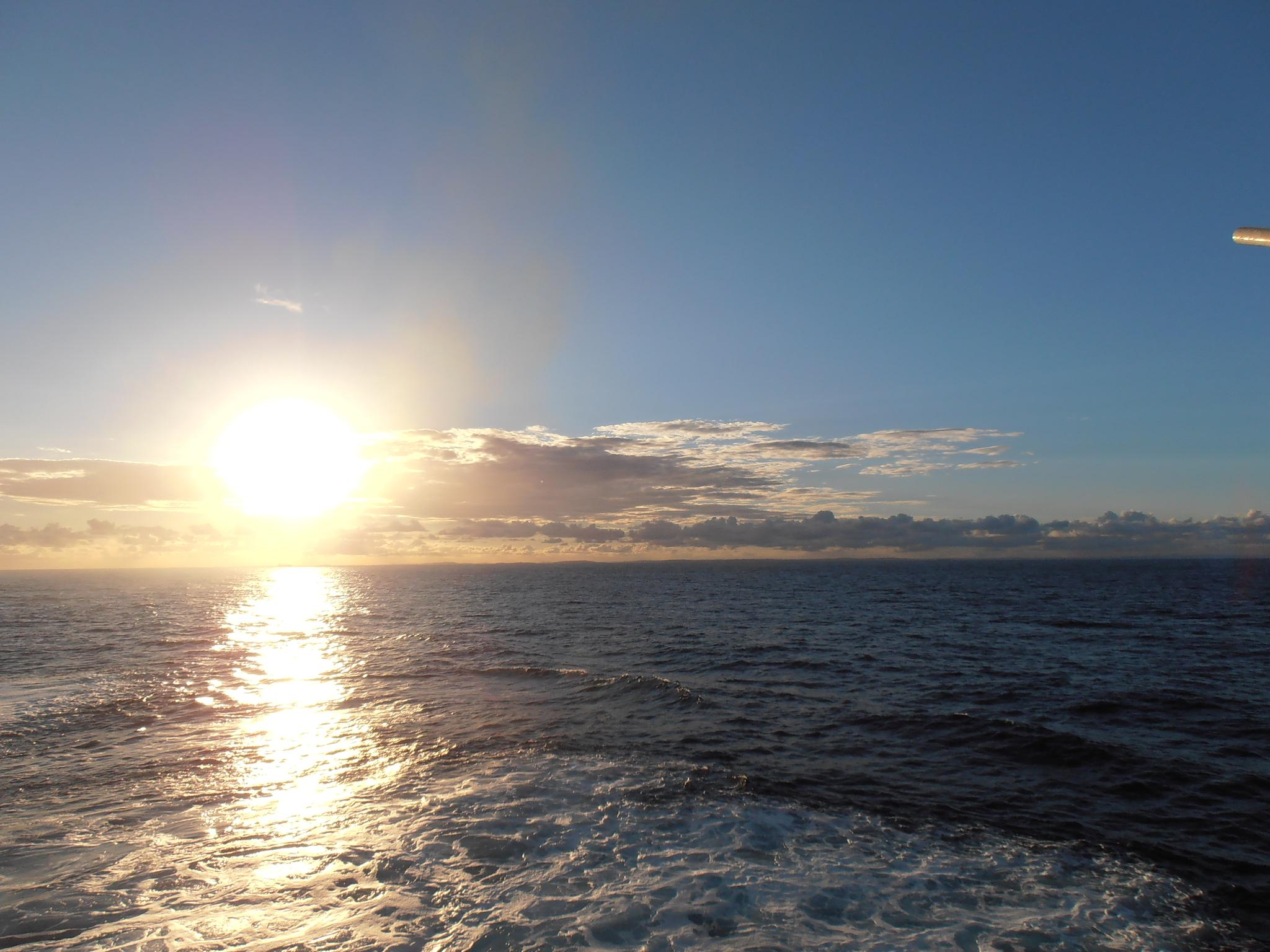 pacific sunrise by pascal.onink