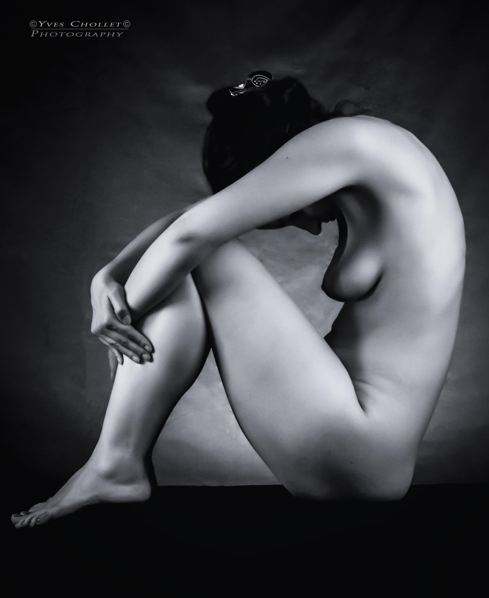 Shadow  by Nuria  Model