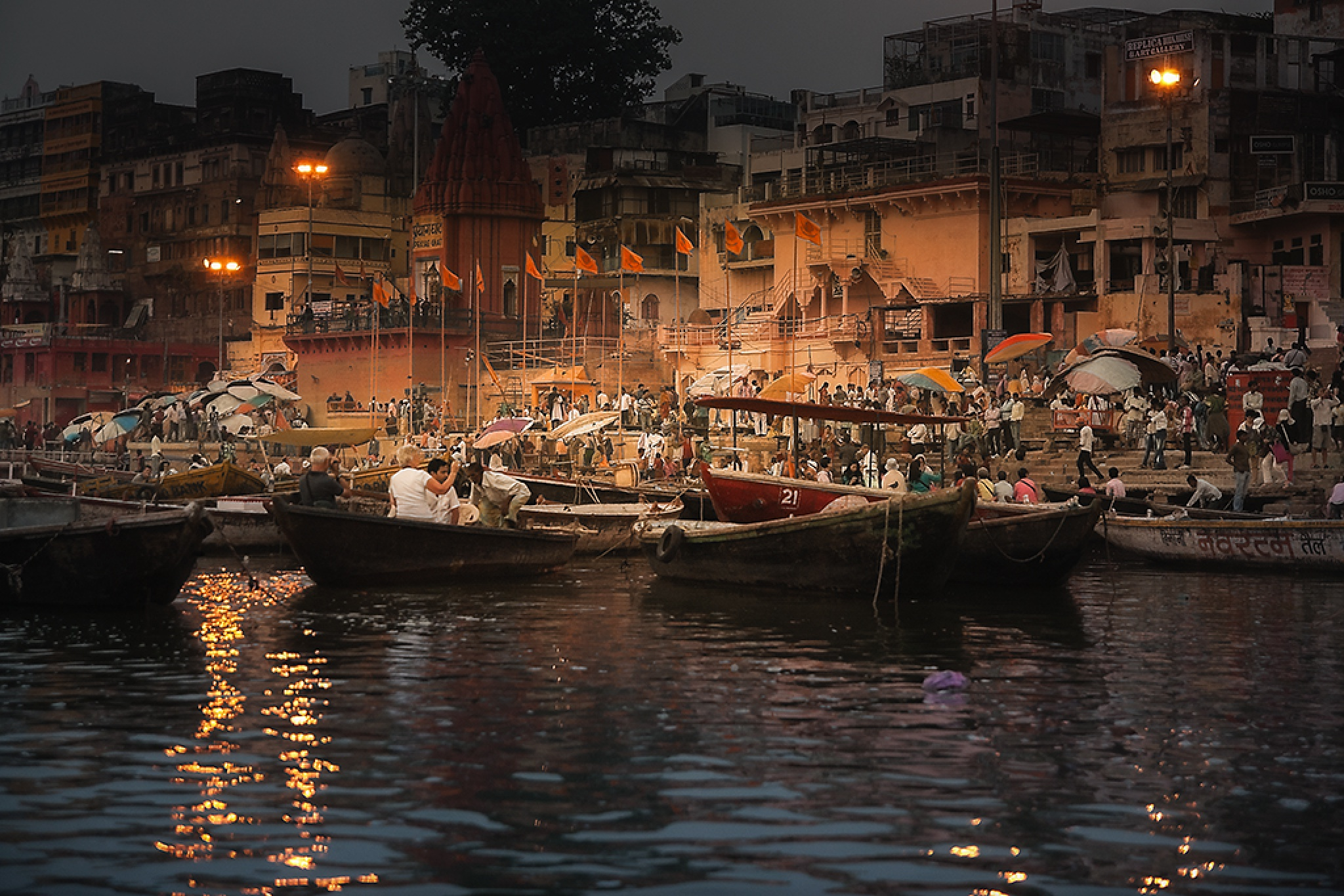 Varanasi II by Leo Walter