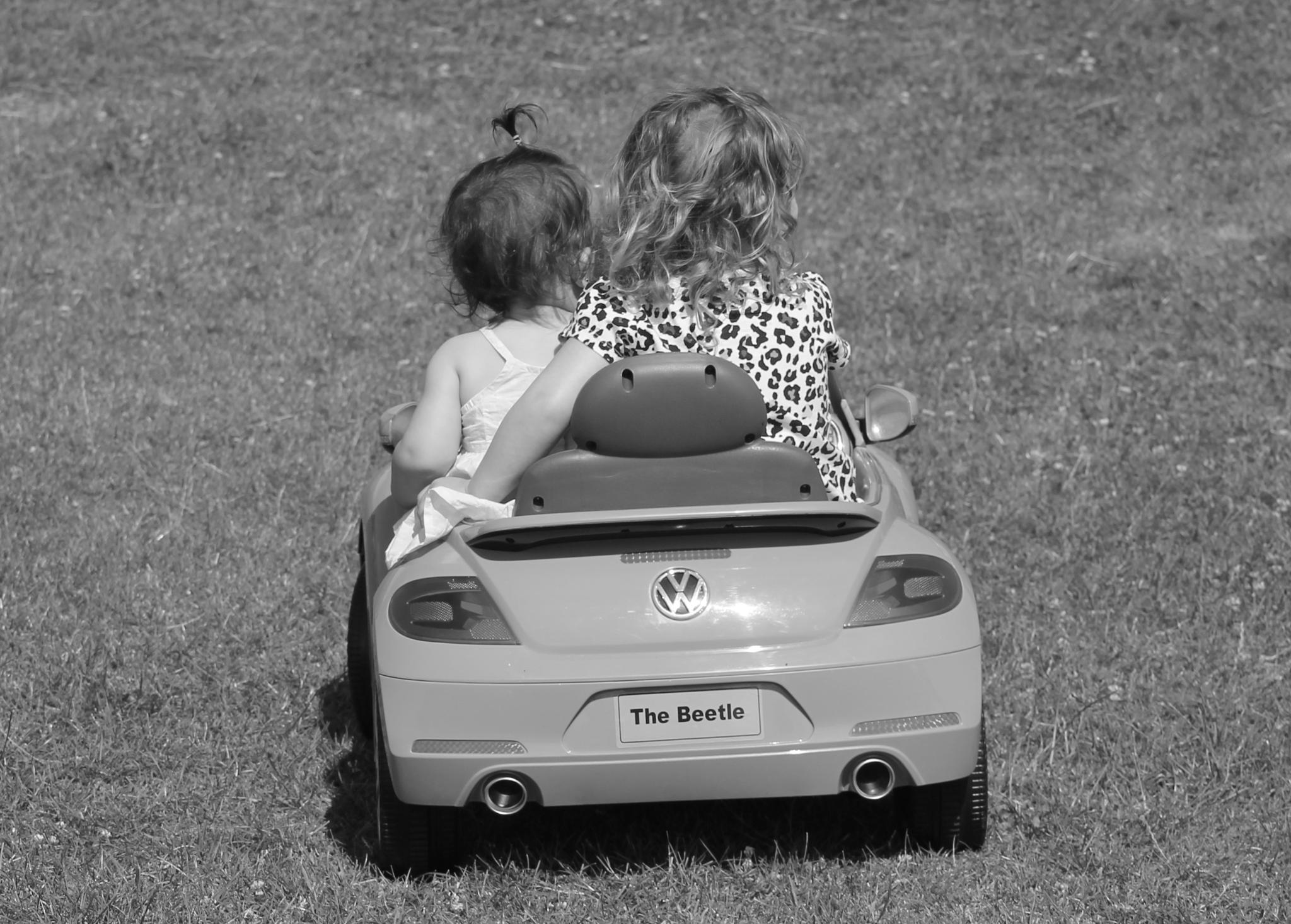 Grandchildren on a road trip. by Dave Griffin Photography.