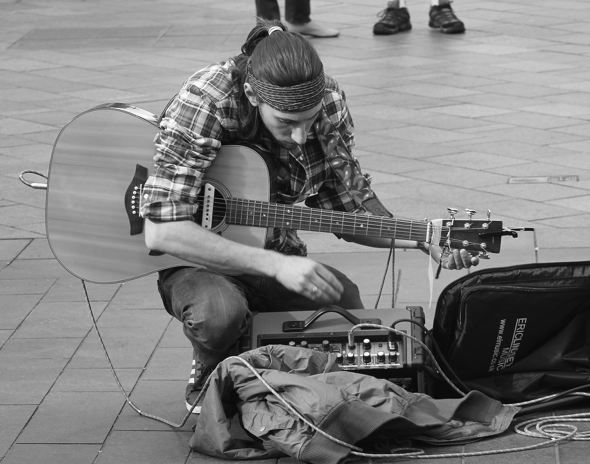 Street Entertainer  by Dave Griffin Photography.