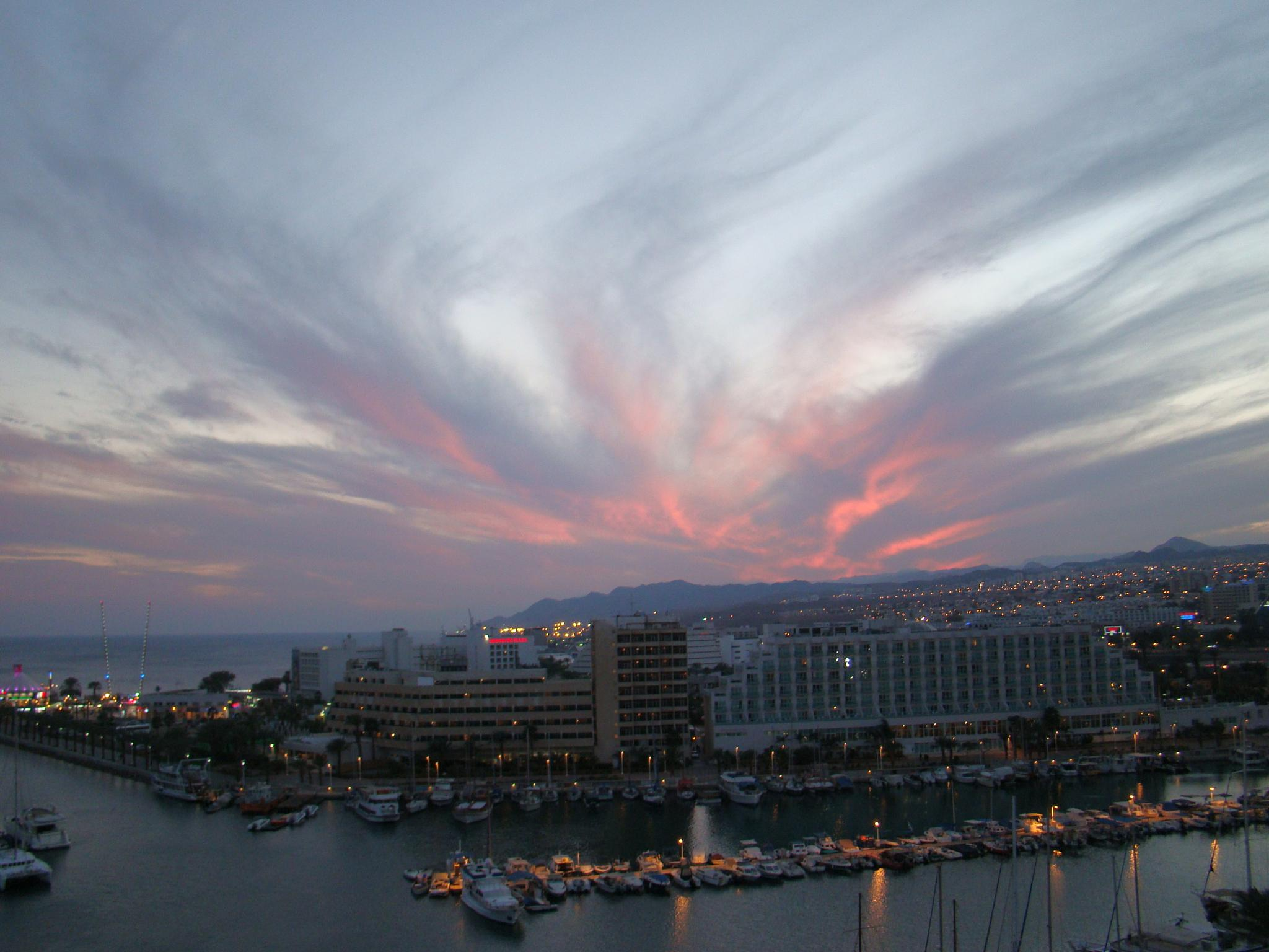 Eilat by night by elsimarie.boll