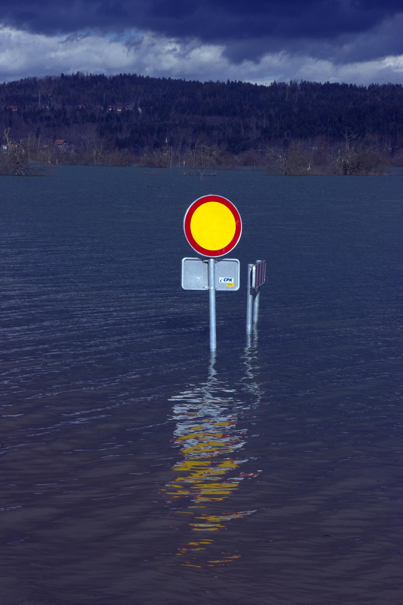 Traffic management during floods - Planinsko field by leopold.brzin
