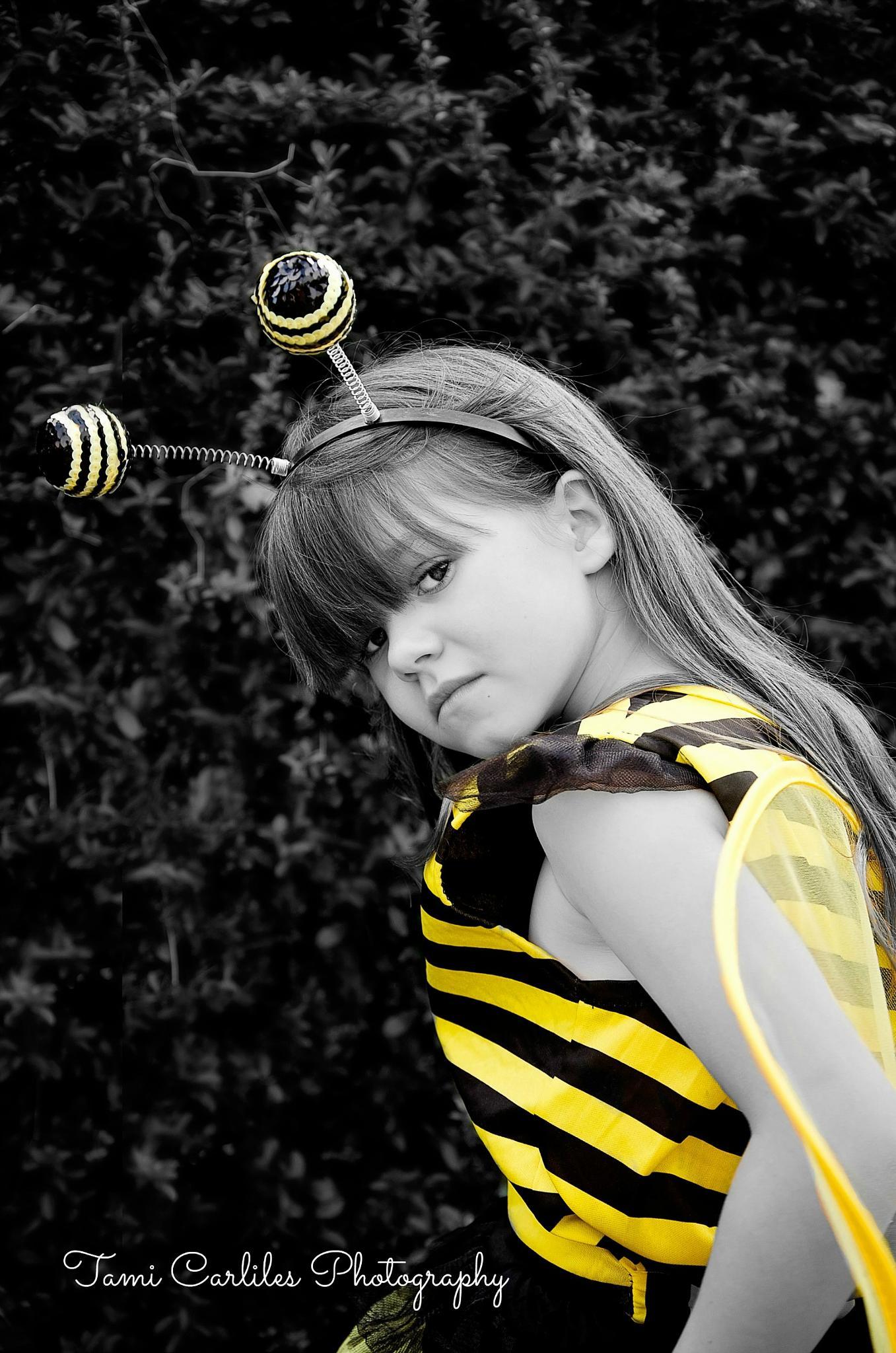 Buzzy Bee by tamara.james.75