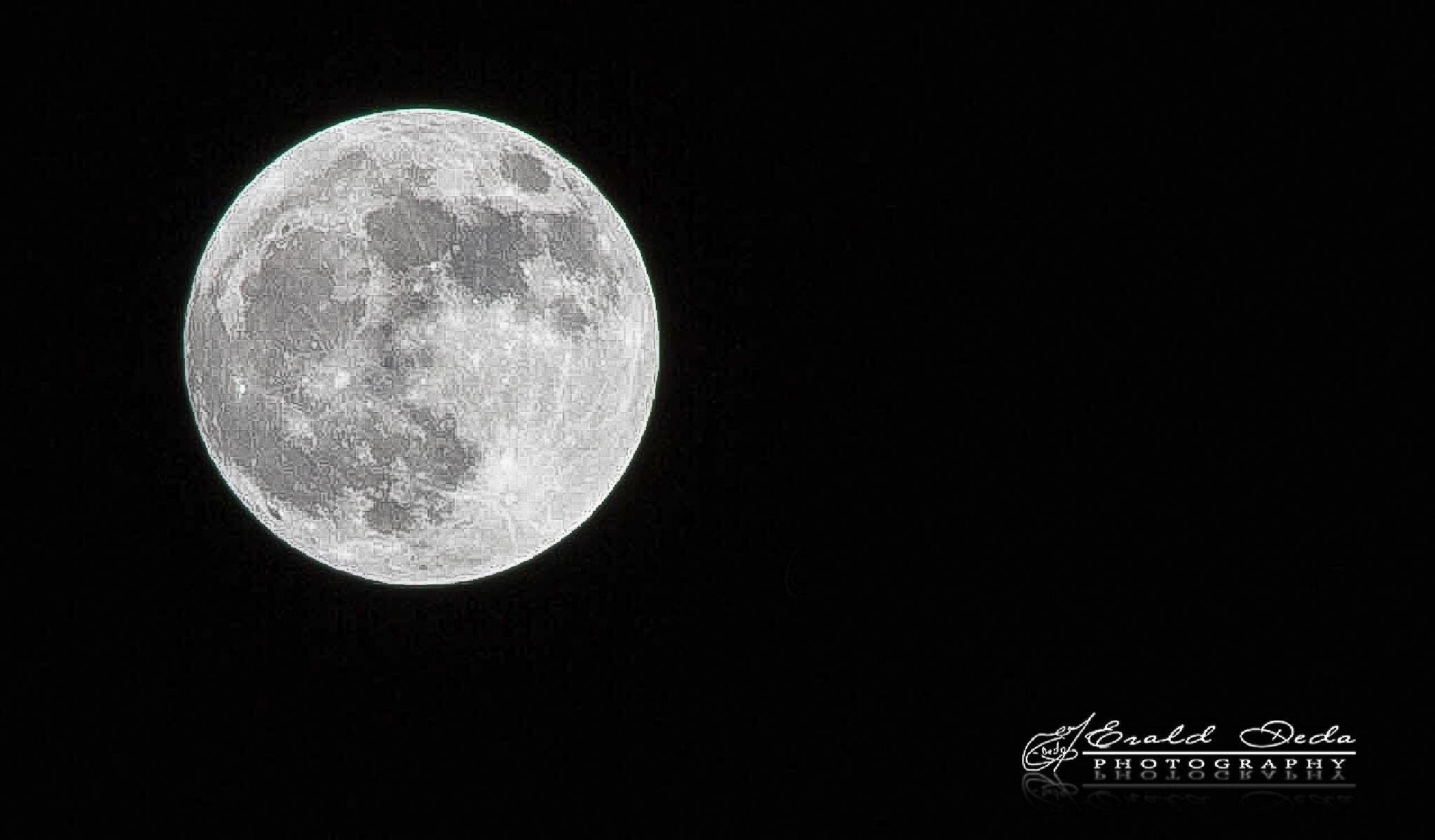 Moon by EraldDeda