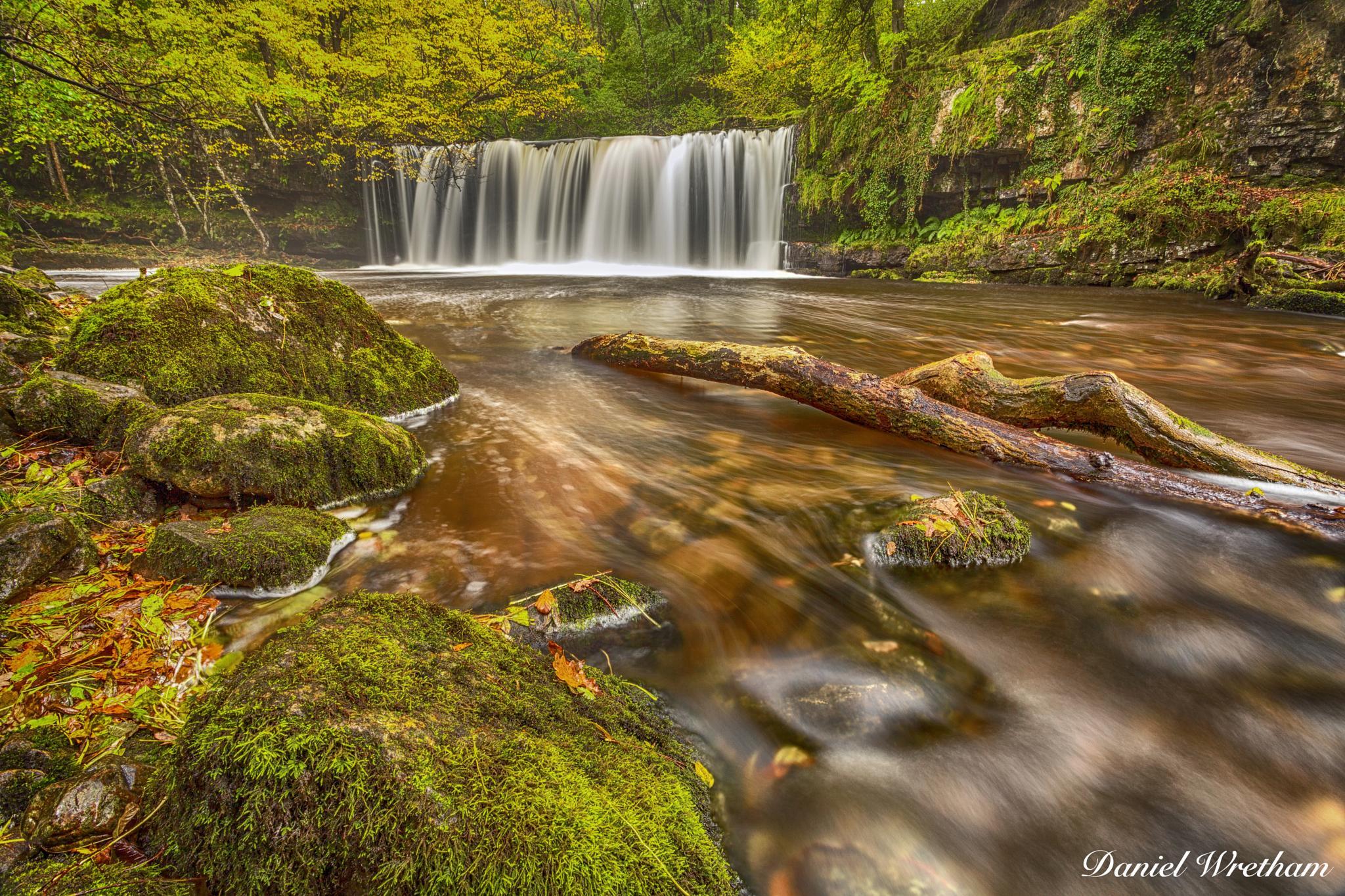 Sgwd Ddwli Uchaf (Upper Gushing Falls) by Daniel Wretham Photography