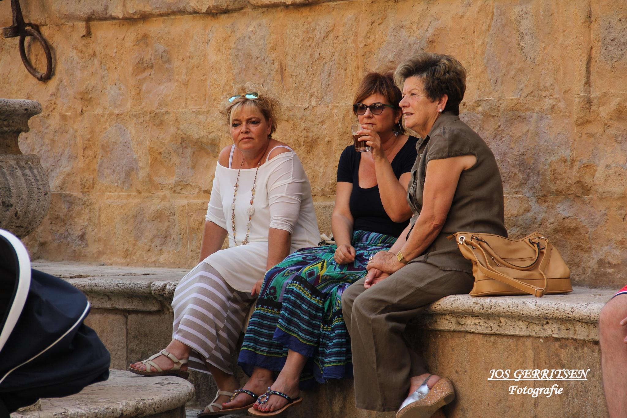 Ladies Talk by Jos Gerritsen