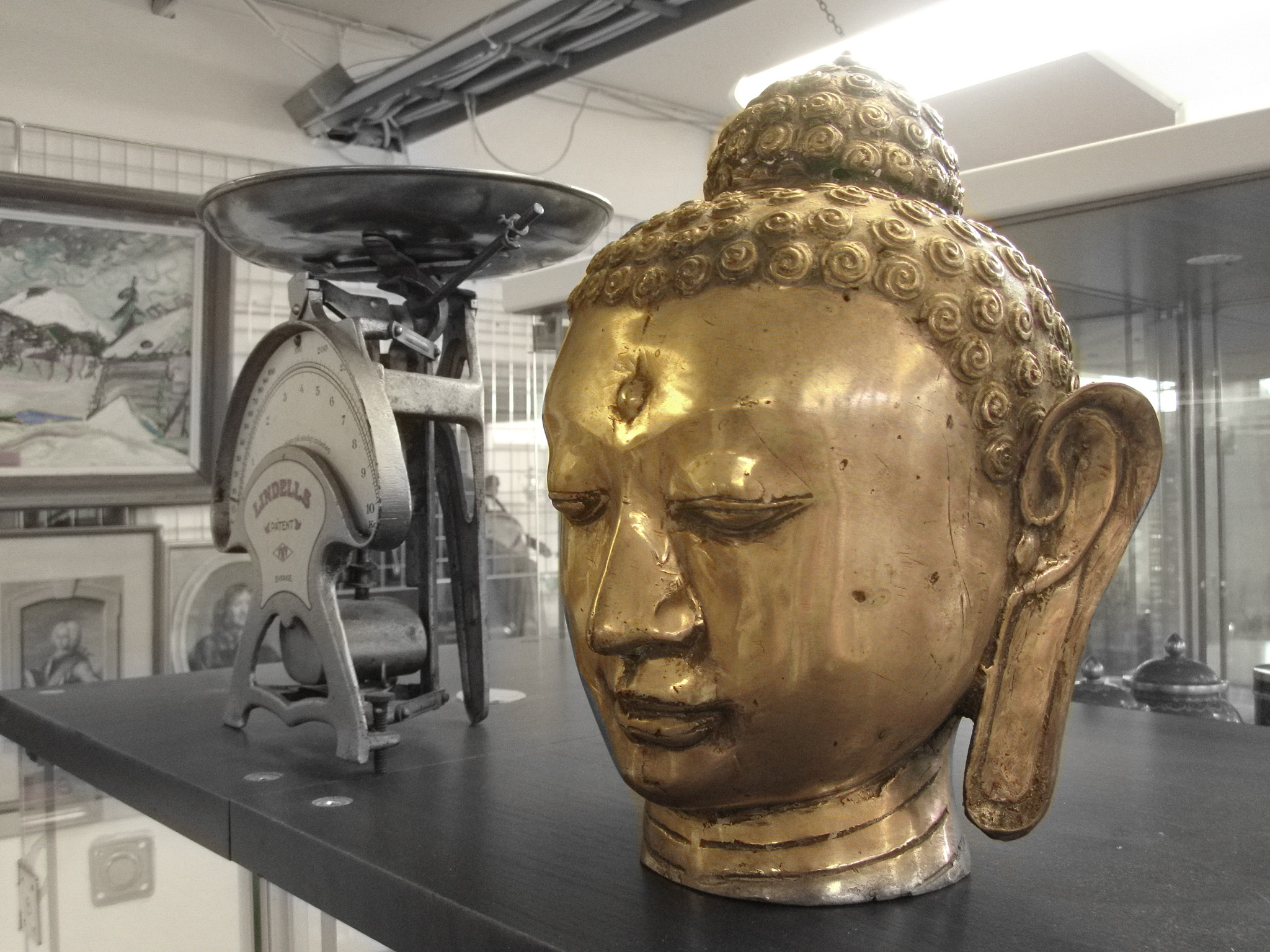 The Buddha in Gold and w. grey bgr. by Mikael Rennerhorn