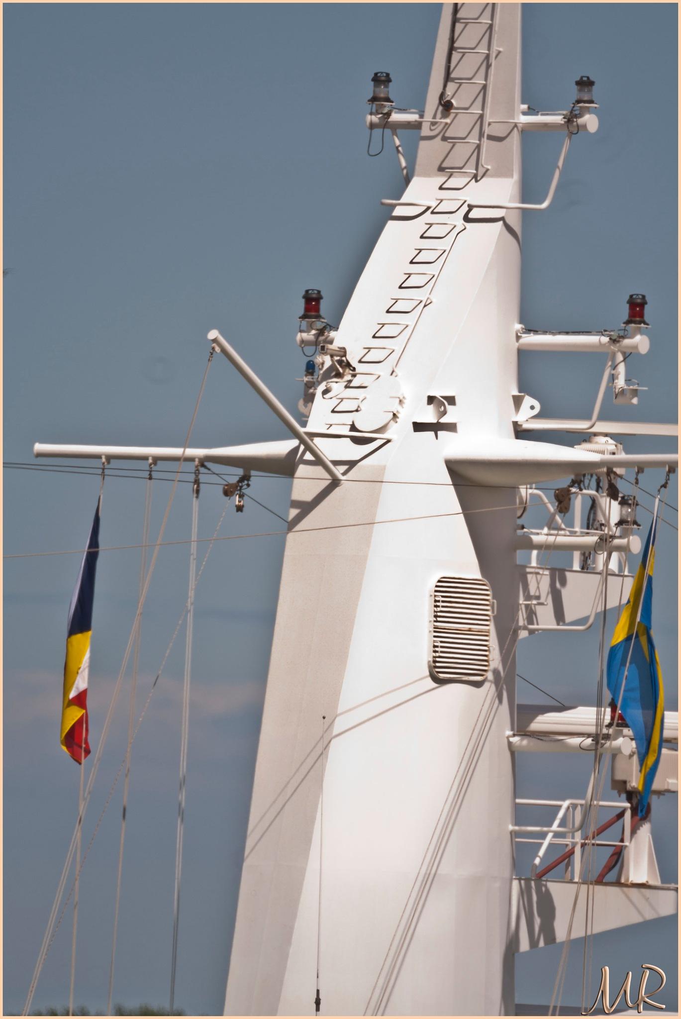M/S ARCADIA mast by Mikael Rennerhorn
