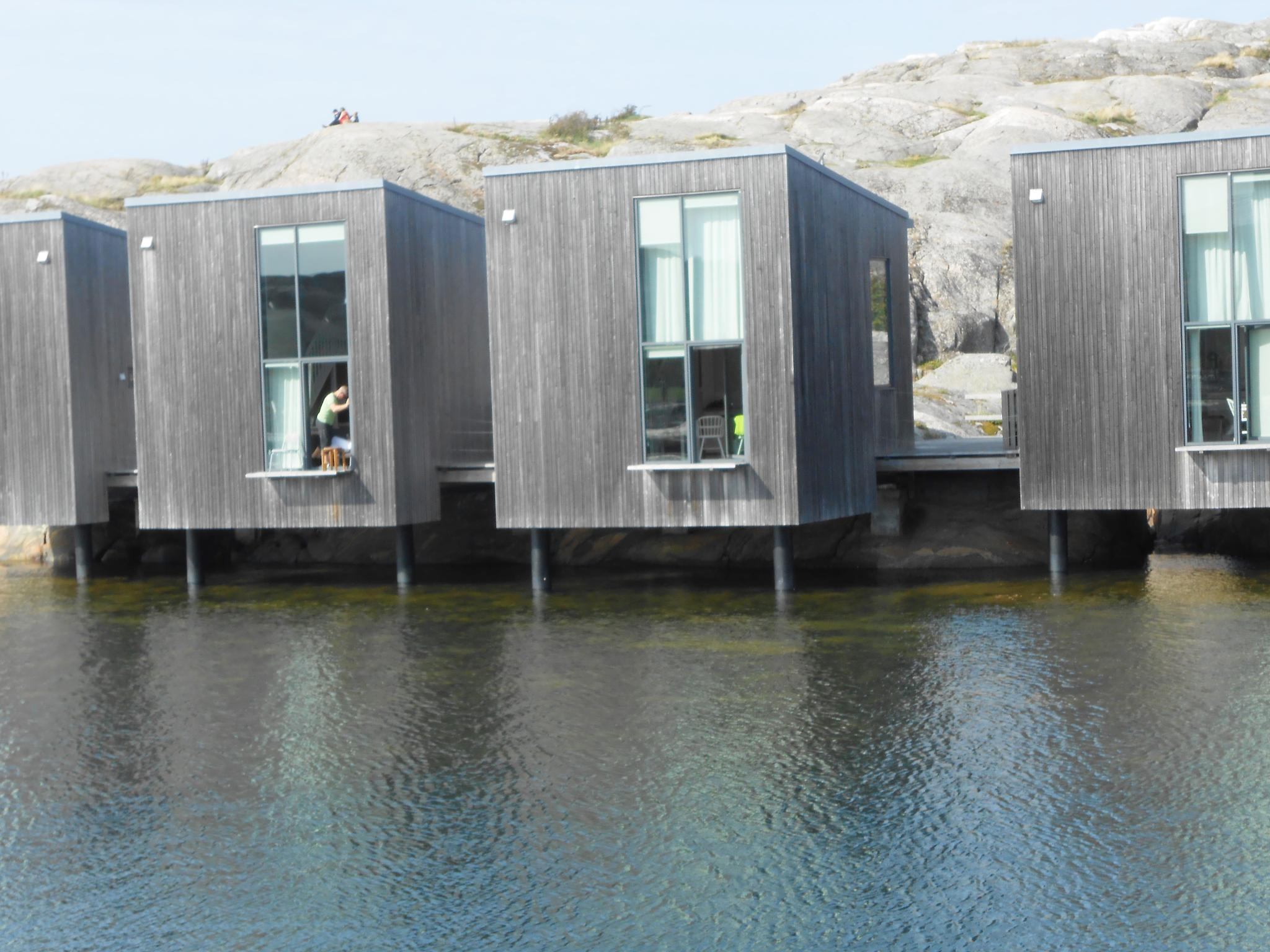 House on water by Marina Hedberg