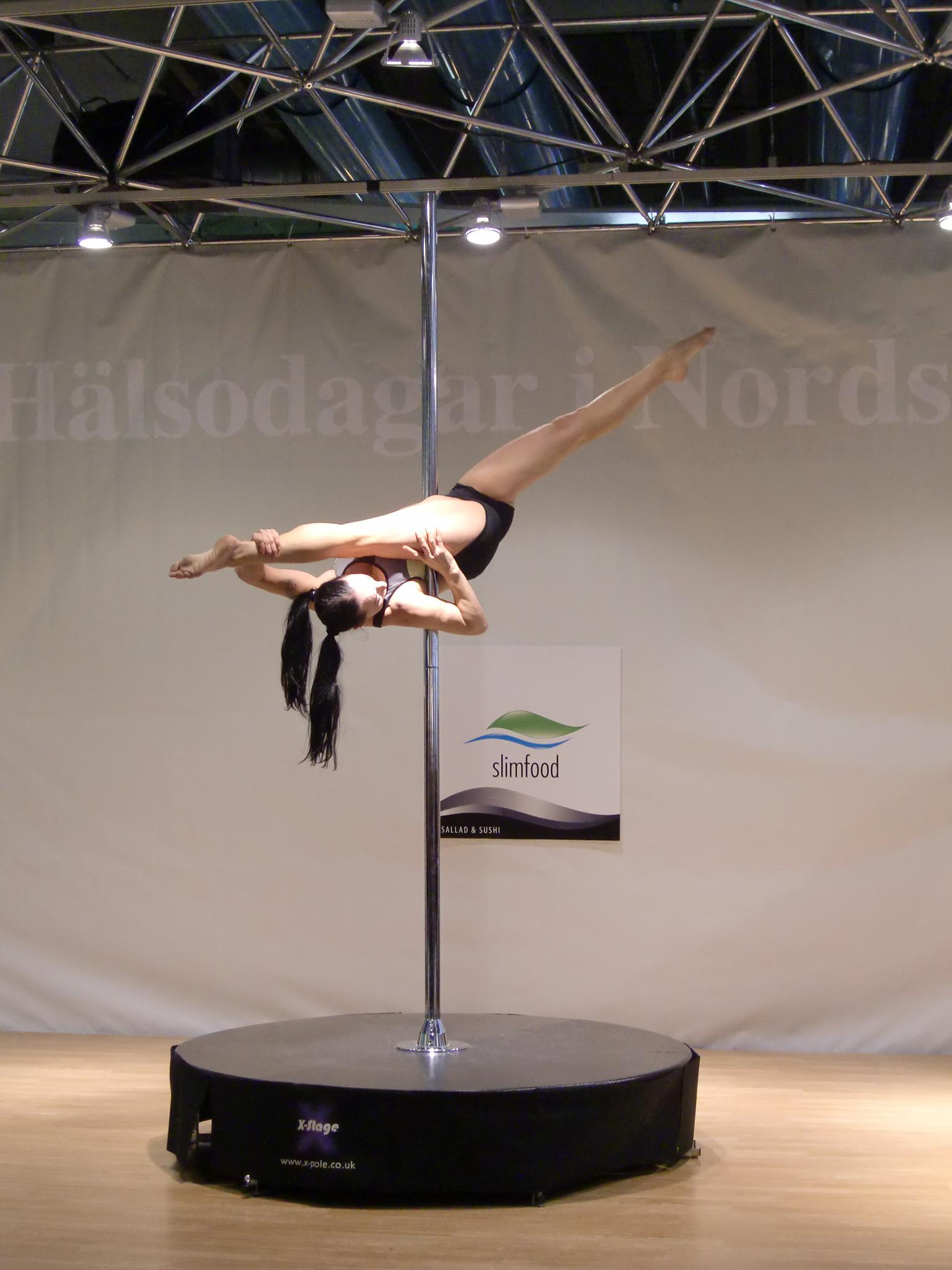 Poledance by BennyHald