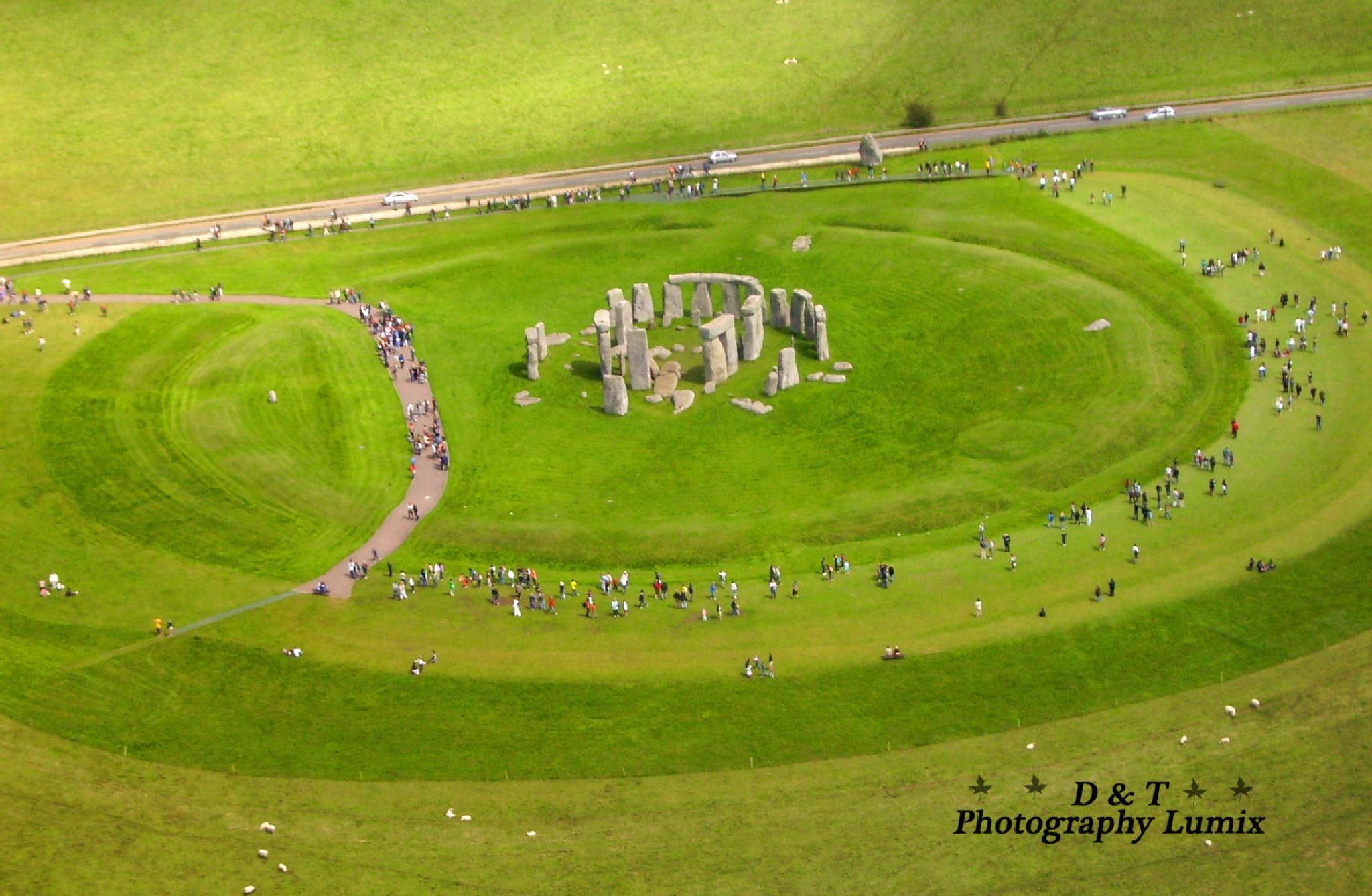 Stonehenge, Wiltshire by Dave & Tatiana Williams