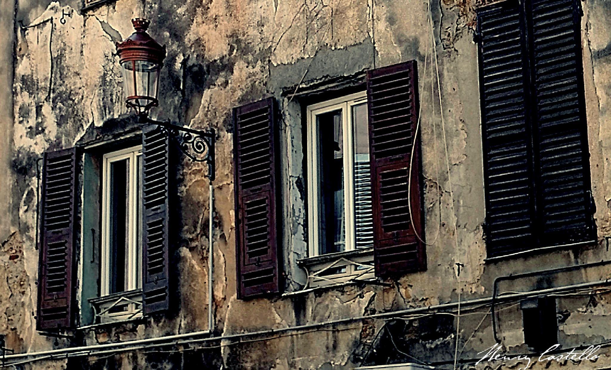 Deux fenetres ouvertes, une fermèe. by henry castello