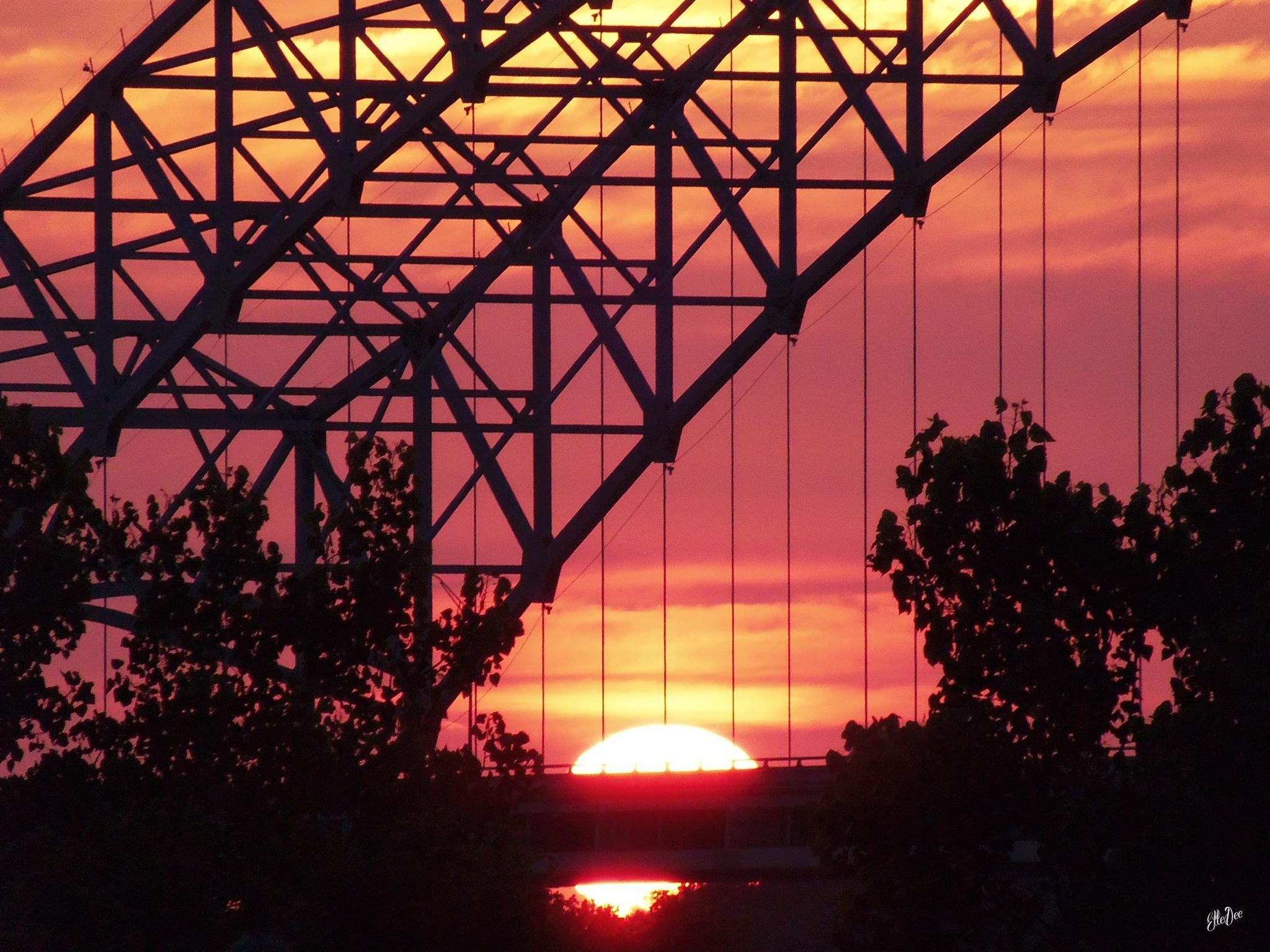 Bridgeworks Sunset by lifeandartandstuff
