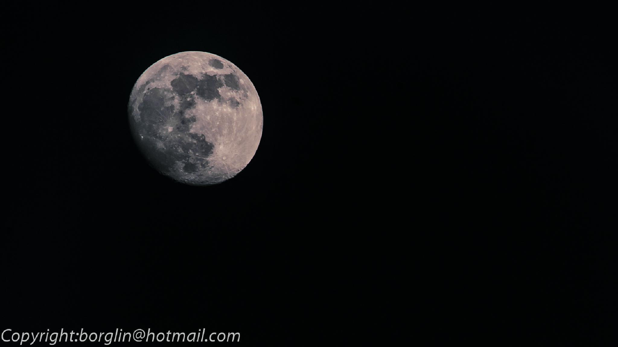 Solens sista strålar på månen     The sun's last rays of the moon by Mats Borglin