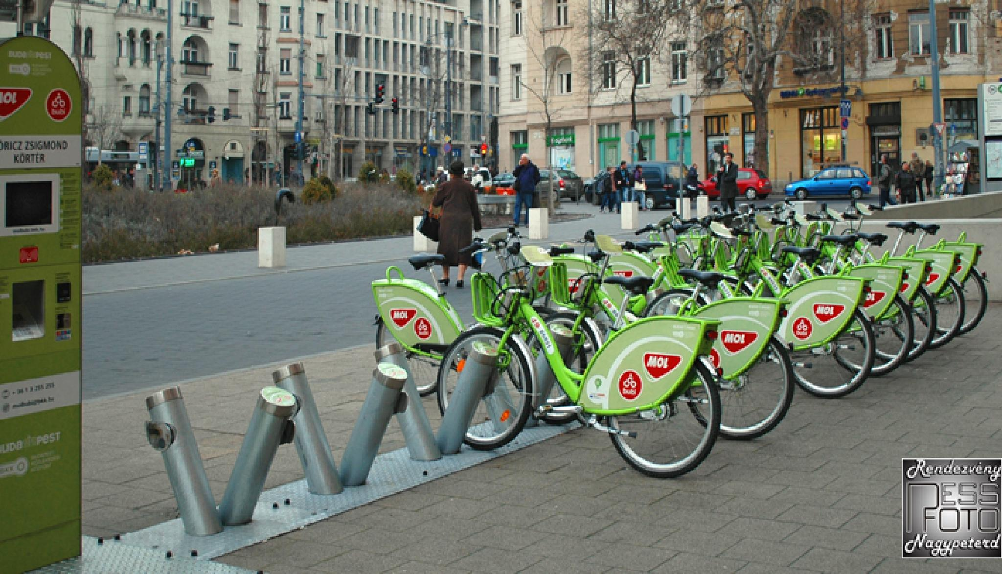After several European cities in Budapest can be used in public bike by Event photo- video