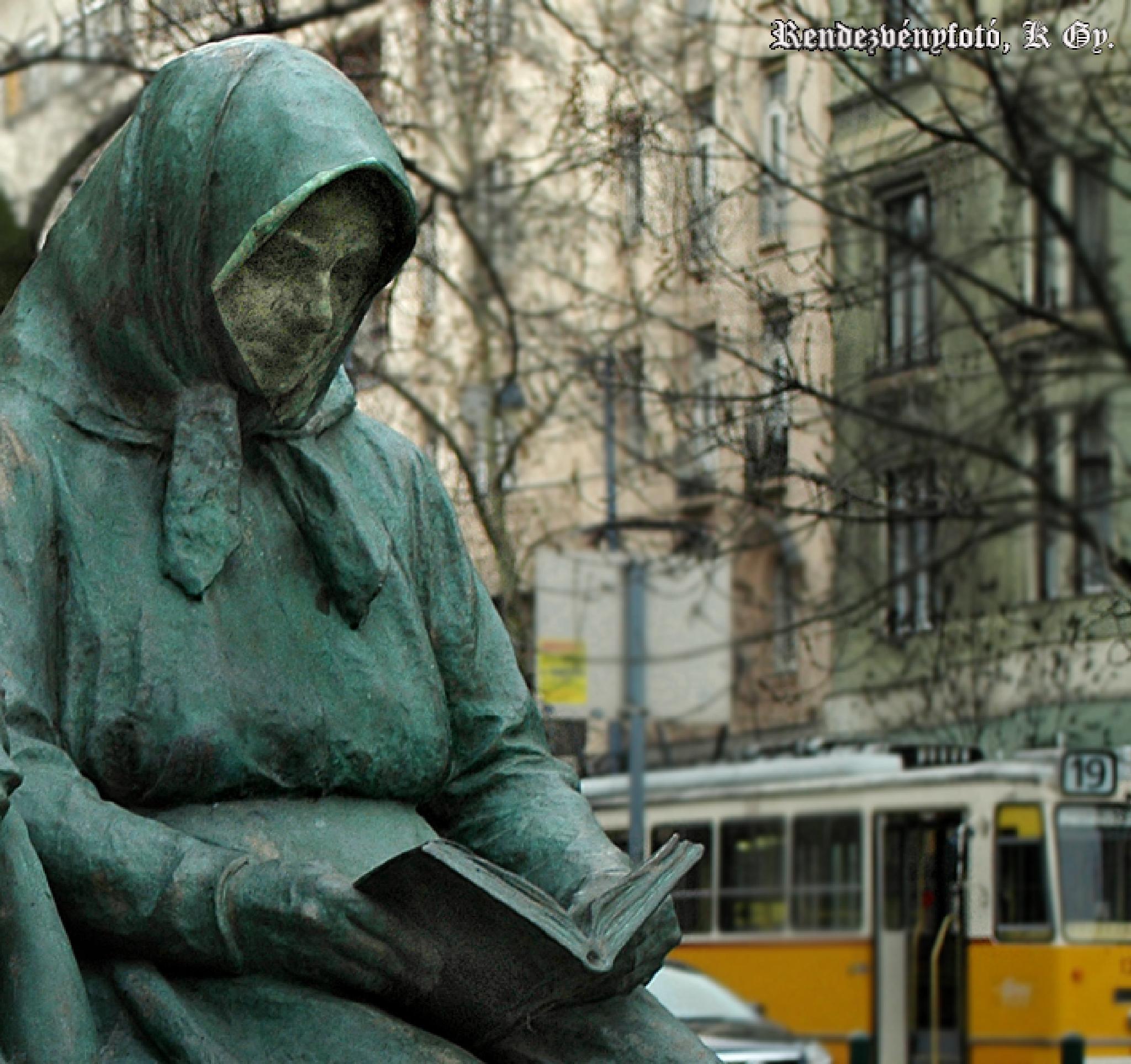 Budapest, Gárdonyi Géza detail Sculpture by Event photo- video