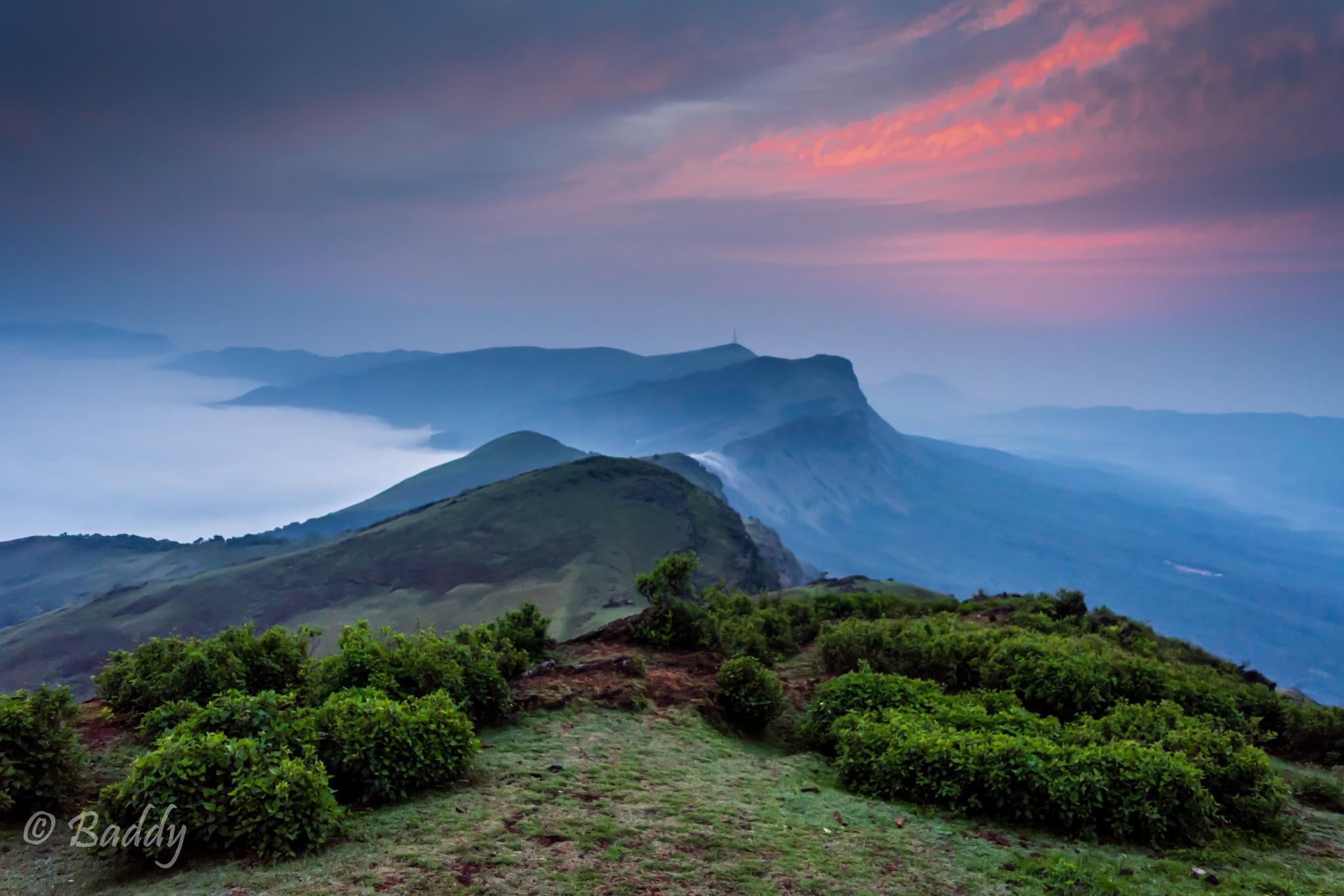 Sunrise @ 6000ft by Badrinarayana Vengavasi