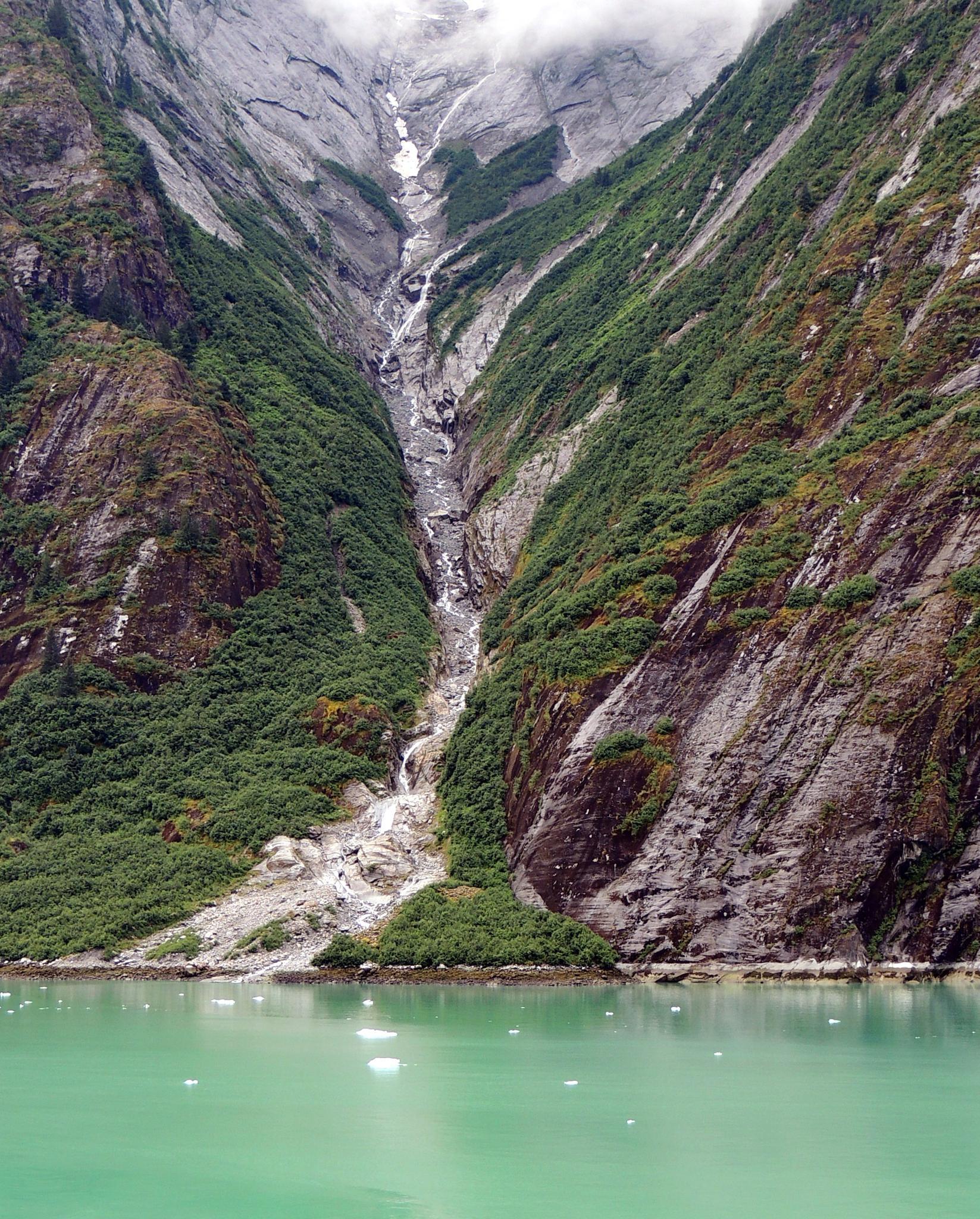 Alaska Waterfall by treva.maye