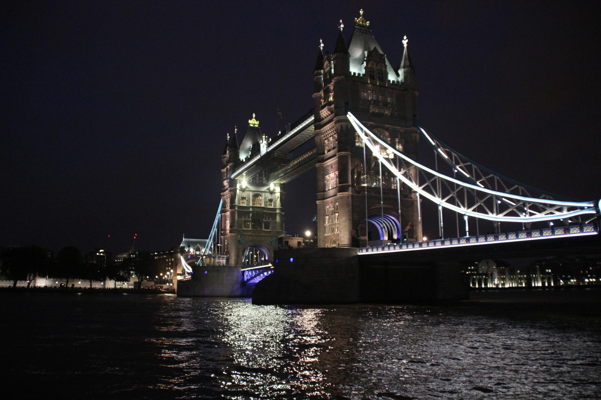 Tower Bridge by johnsmith93
