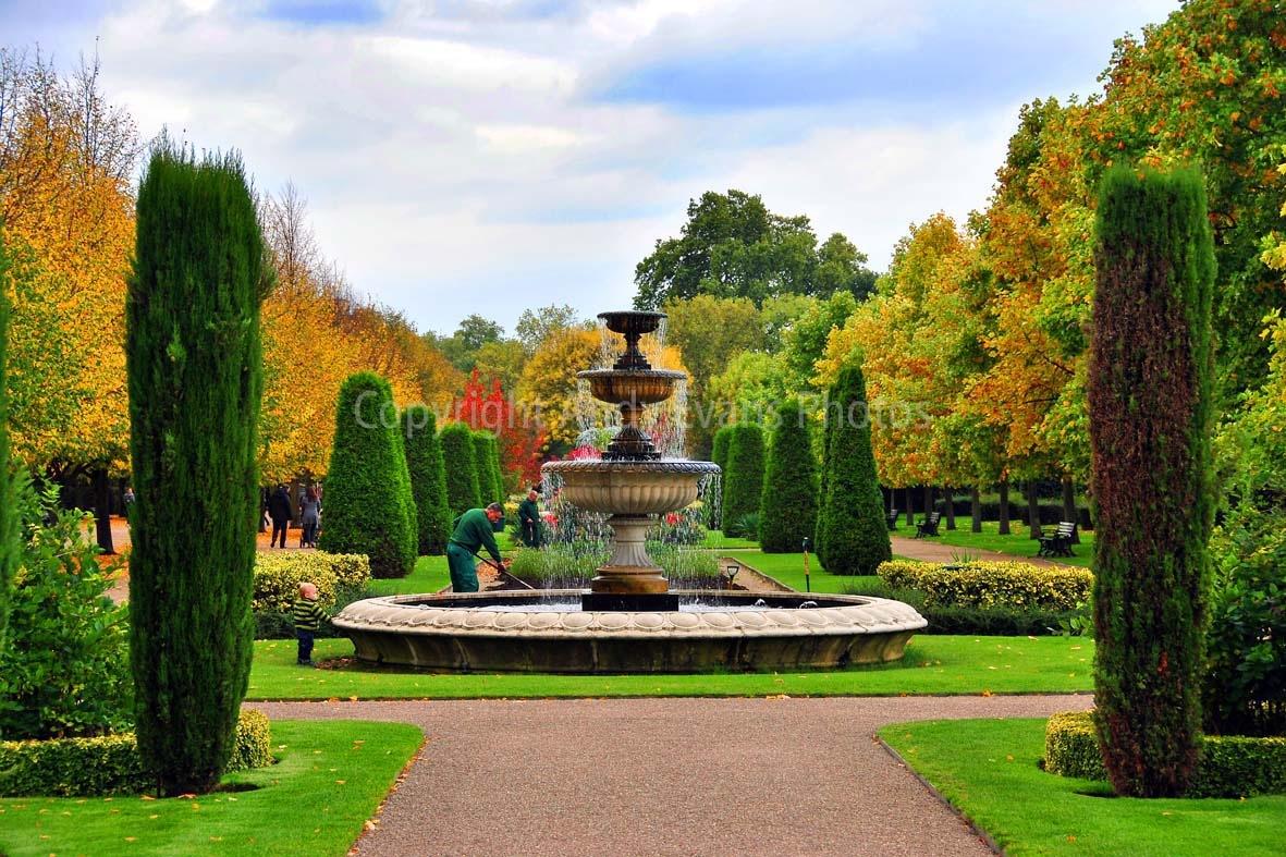 Regent's Park gardens, London, England by AndyEvans