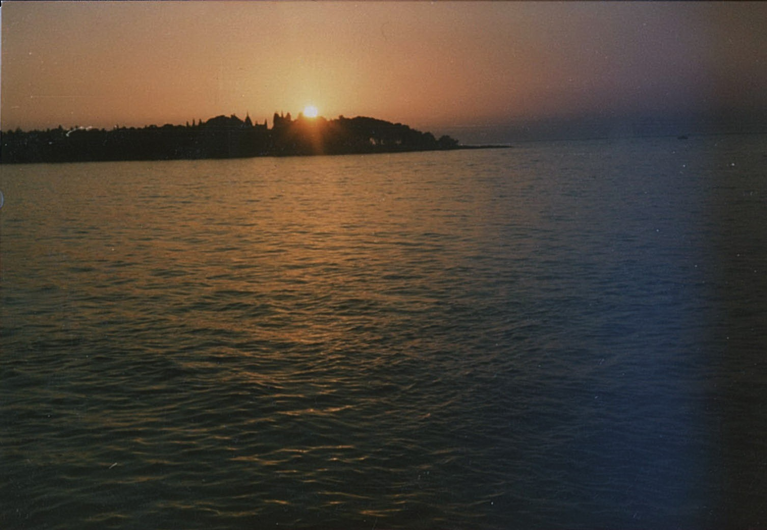 Sunset (analog) by Geigercounterculture