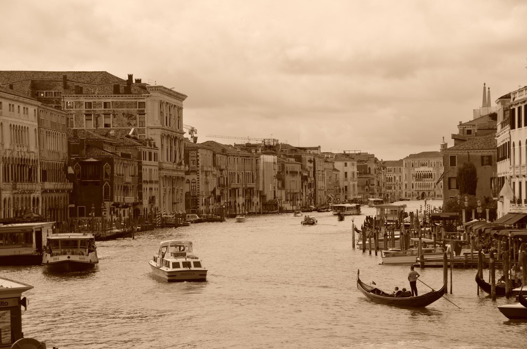 Canal Grande, Venice by Thomas Tapio