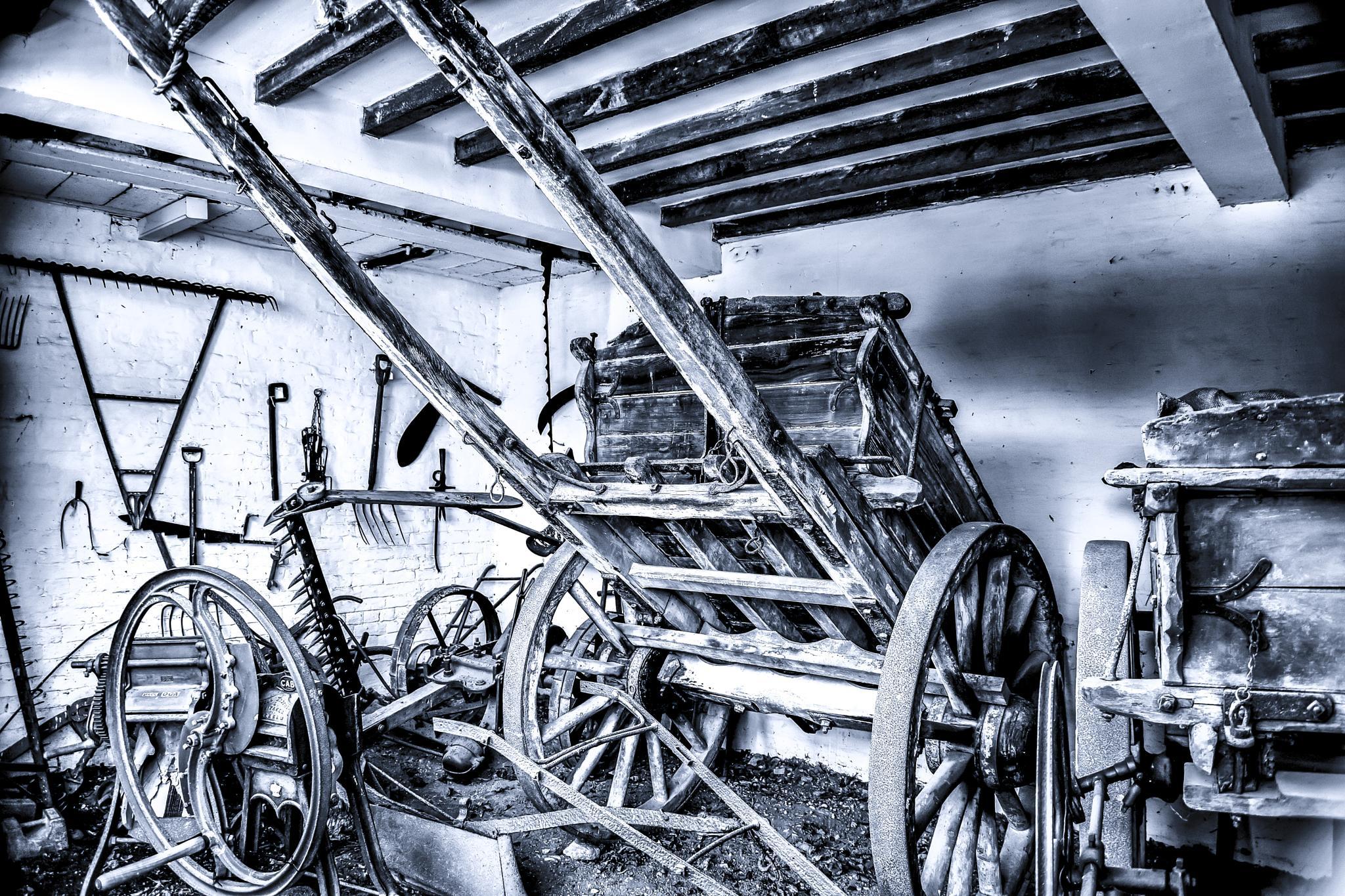 Horseless cart  by ILoveThatPhoto.co.uk