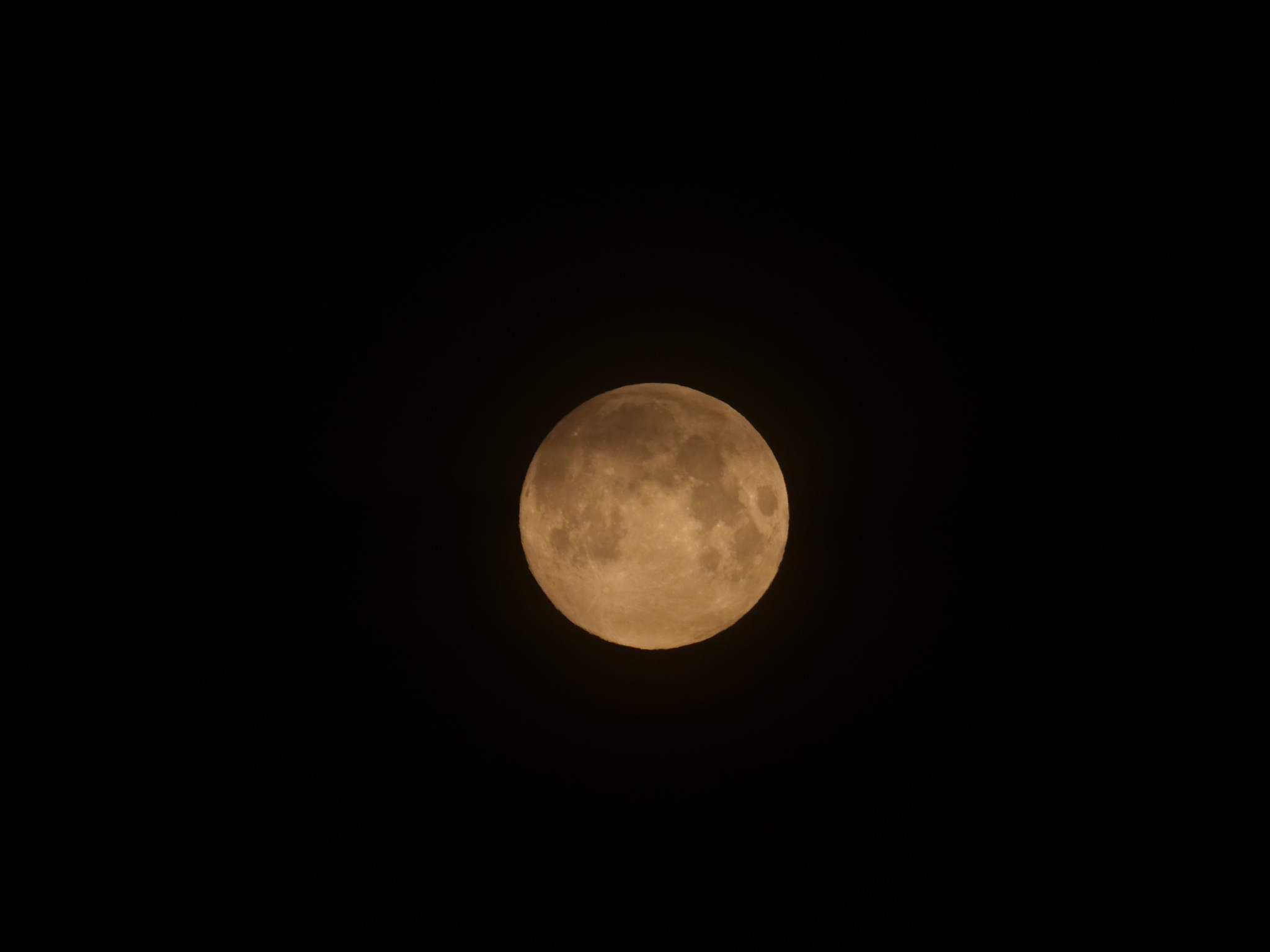 Volle maan vanmorgen by frank.bruls